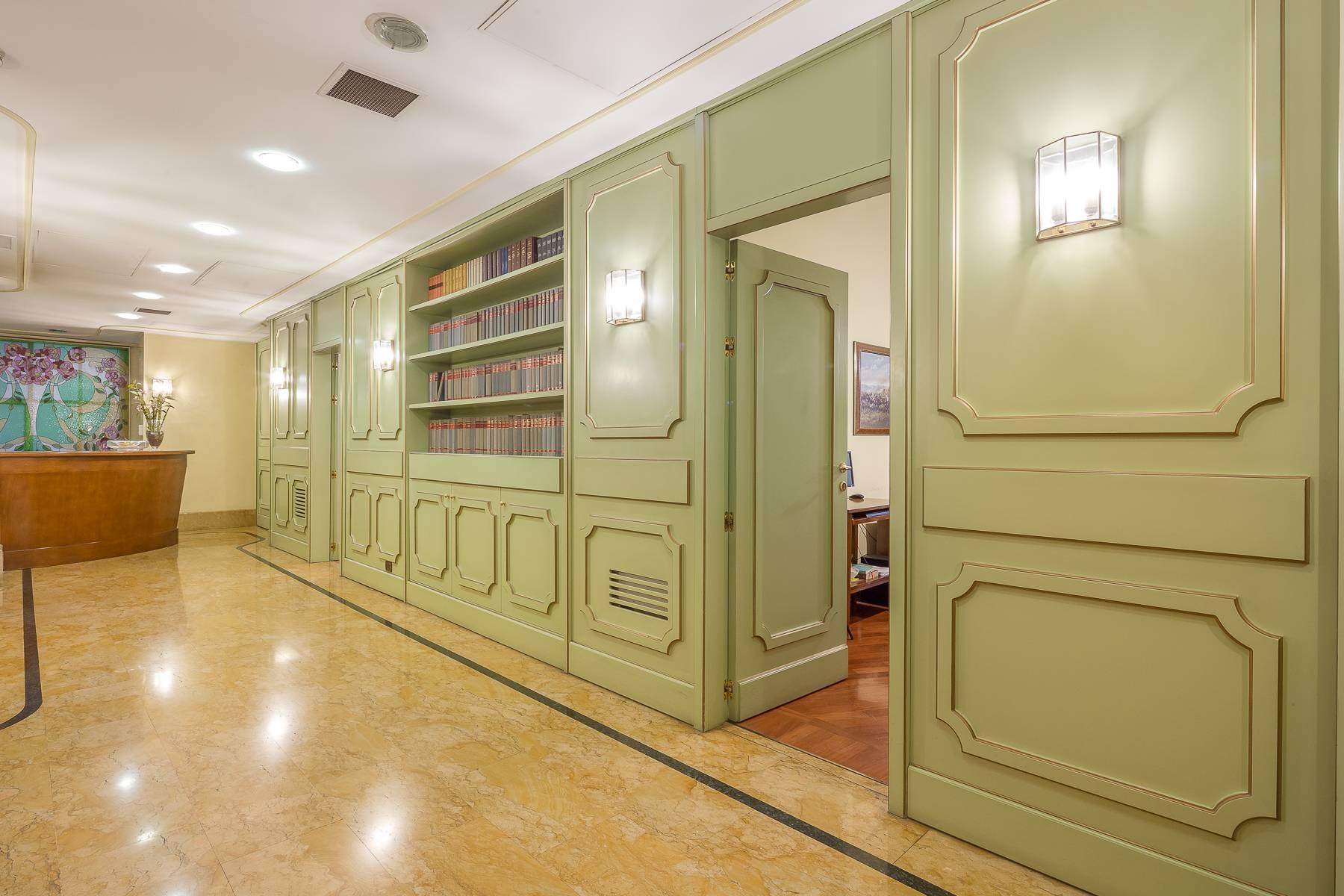 Elegante bureau de prestige dans le centre de Milan - 11