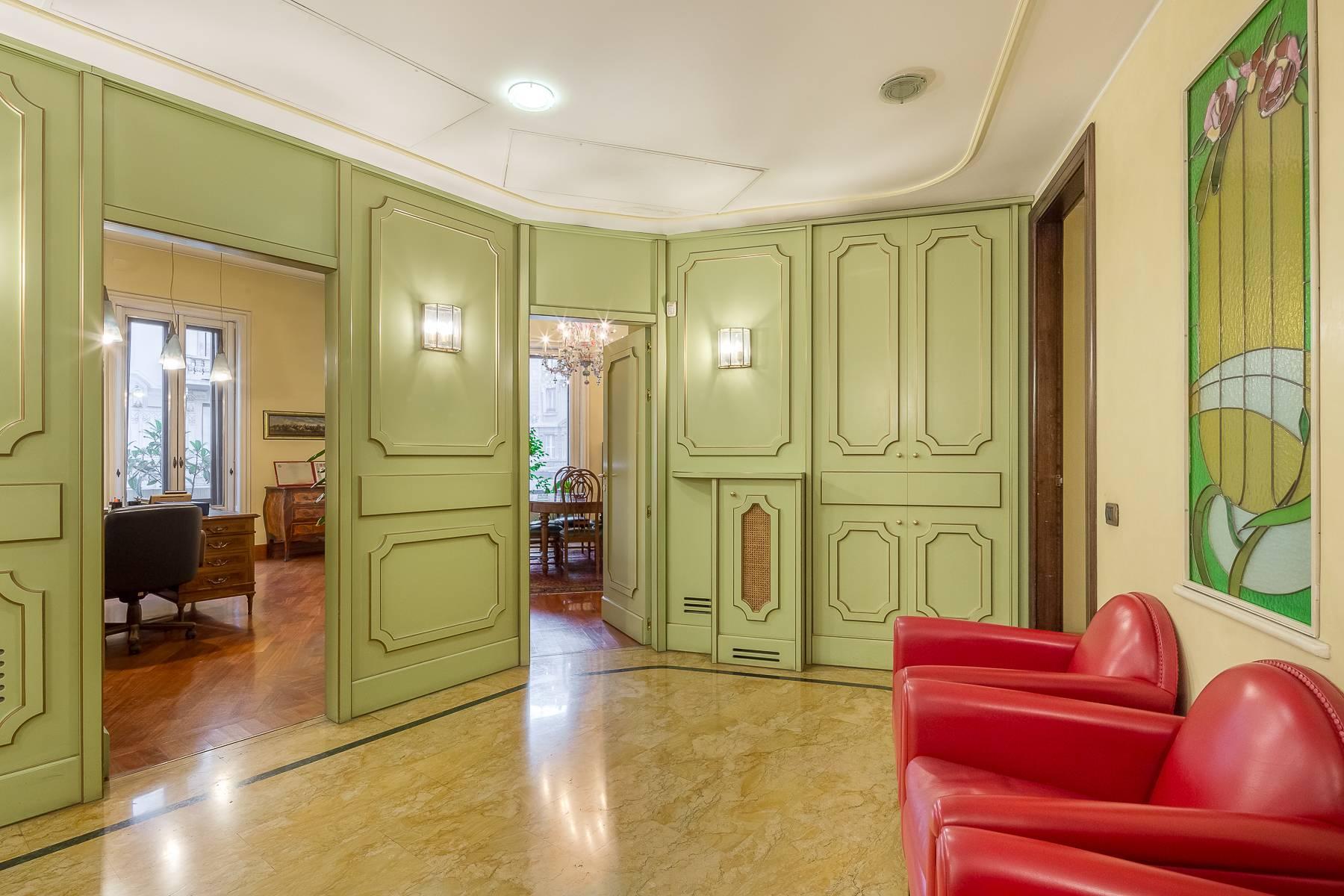 Elegant and prestigious studio in the center of Milan - 12