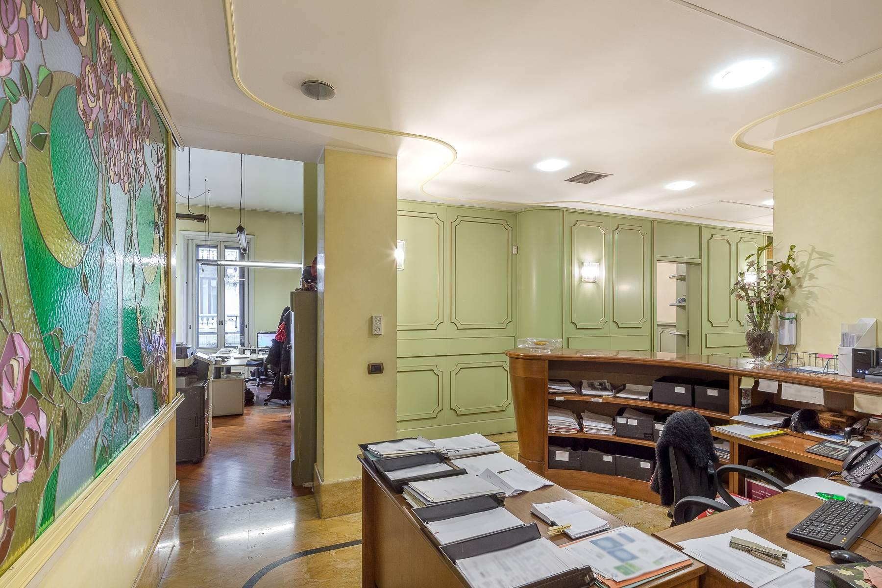Elegante bureau de prestige dans le centre de Milan - 17