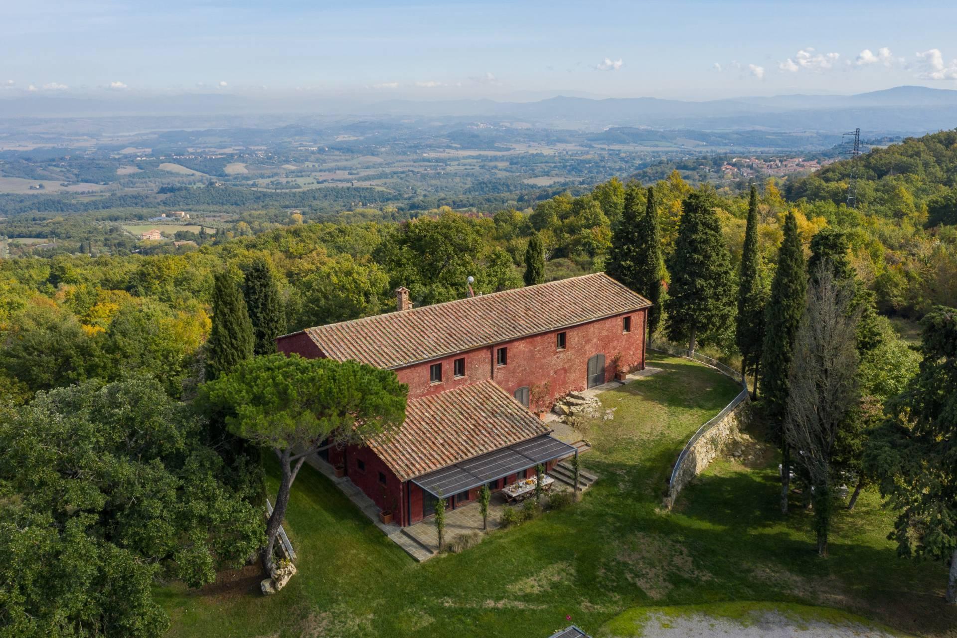 Herrliches Bauernhaus mit Panorama-Blick zwischen Val D'Orcia und Val di Chiana - 1