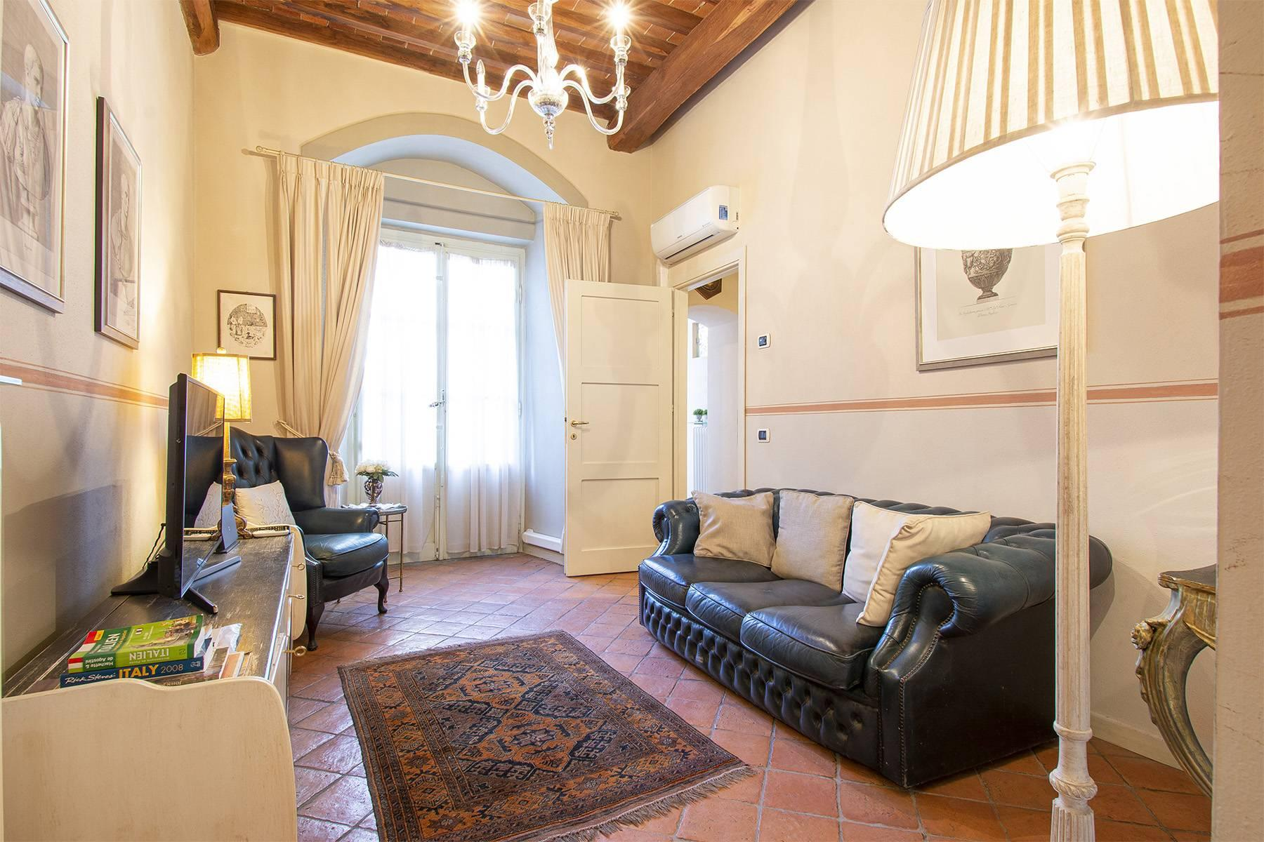 Luxury apartment in the historic center of Lucca - 3