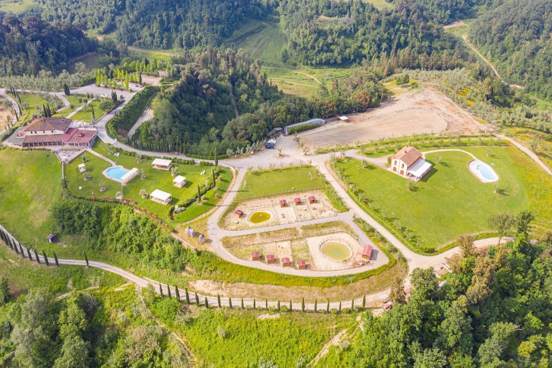 Wunderschönes Anwesen mit 202 Hektar Land im Herzen der Toskana - 3