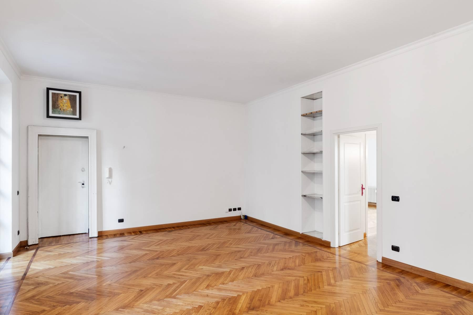 Beautiful apartment next to Piazza San Carlo - 13