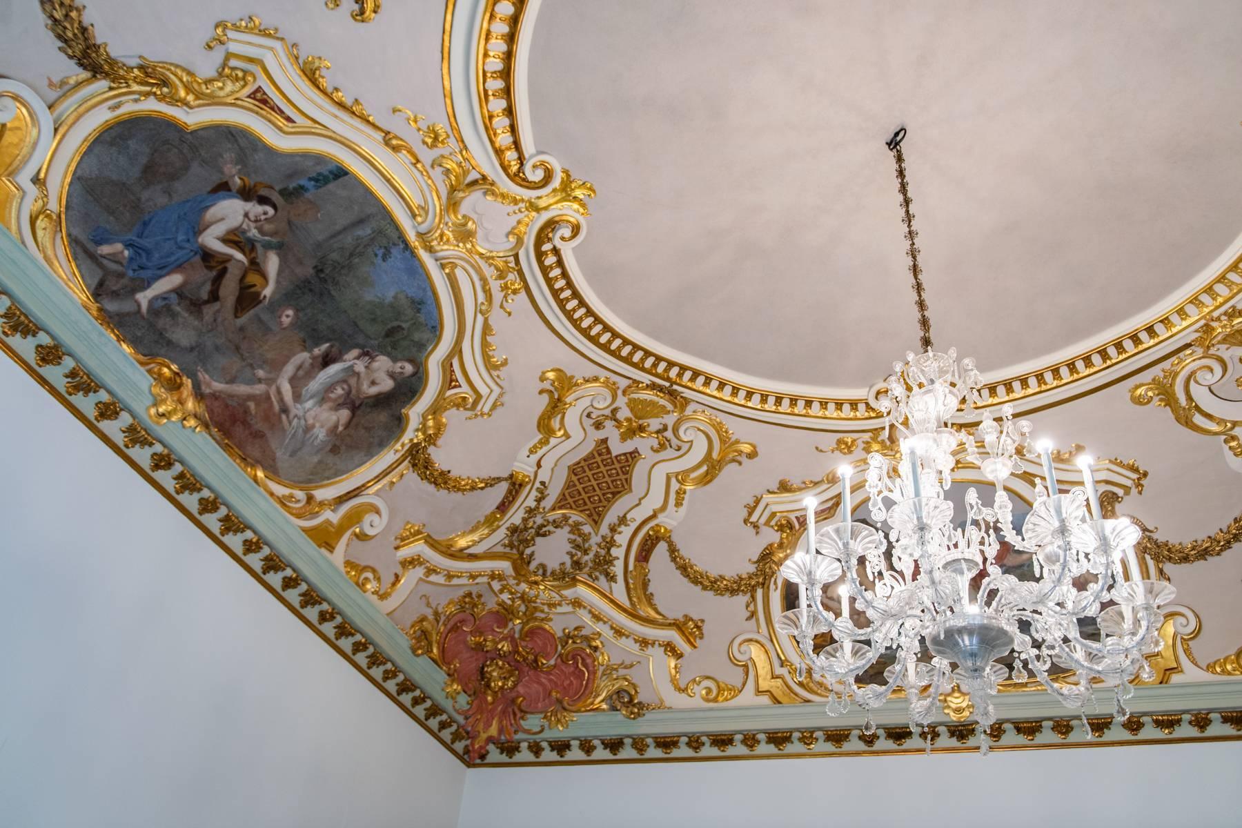 Роскошная квартира в историческом здании Генуи - 3