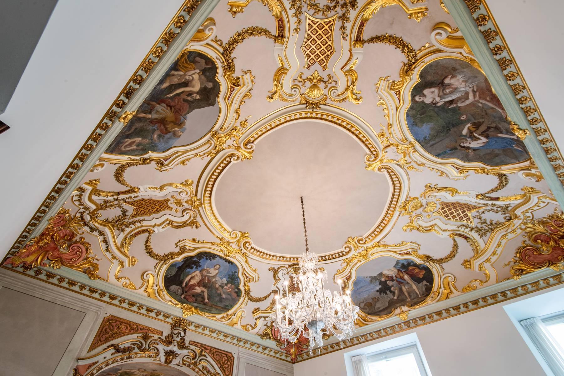 Роскошная квартира в историческом здании Генуи - 2