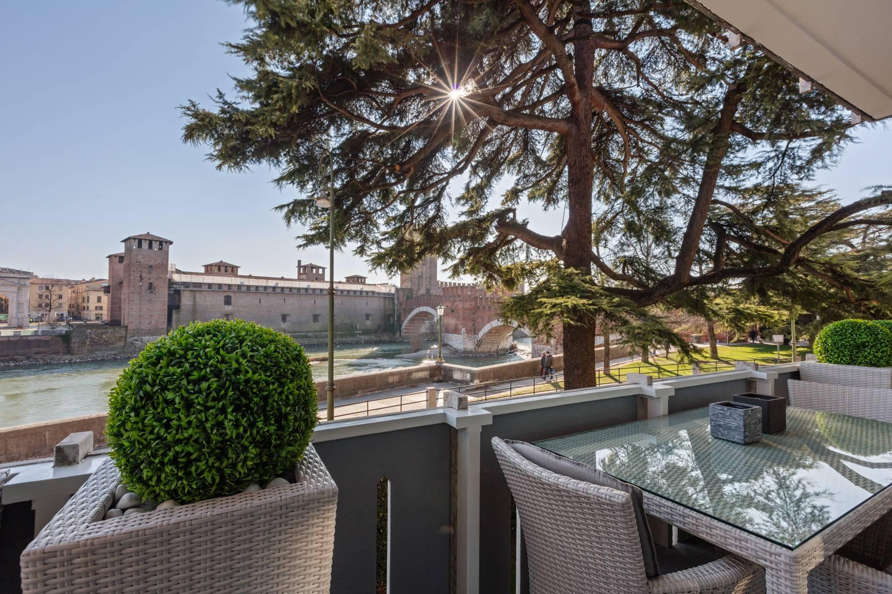 Luxury apartment overlooking the river Adige - 18