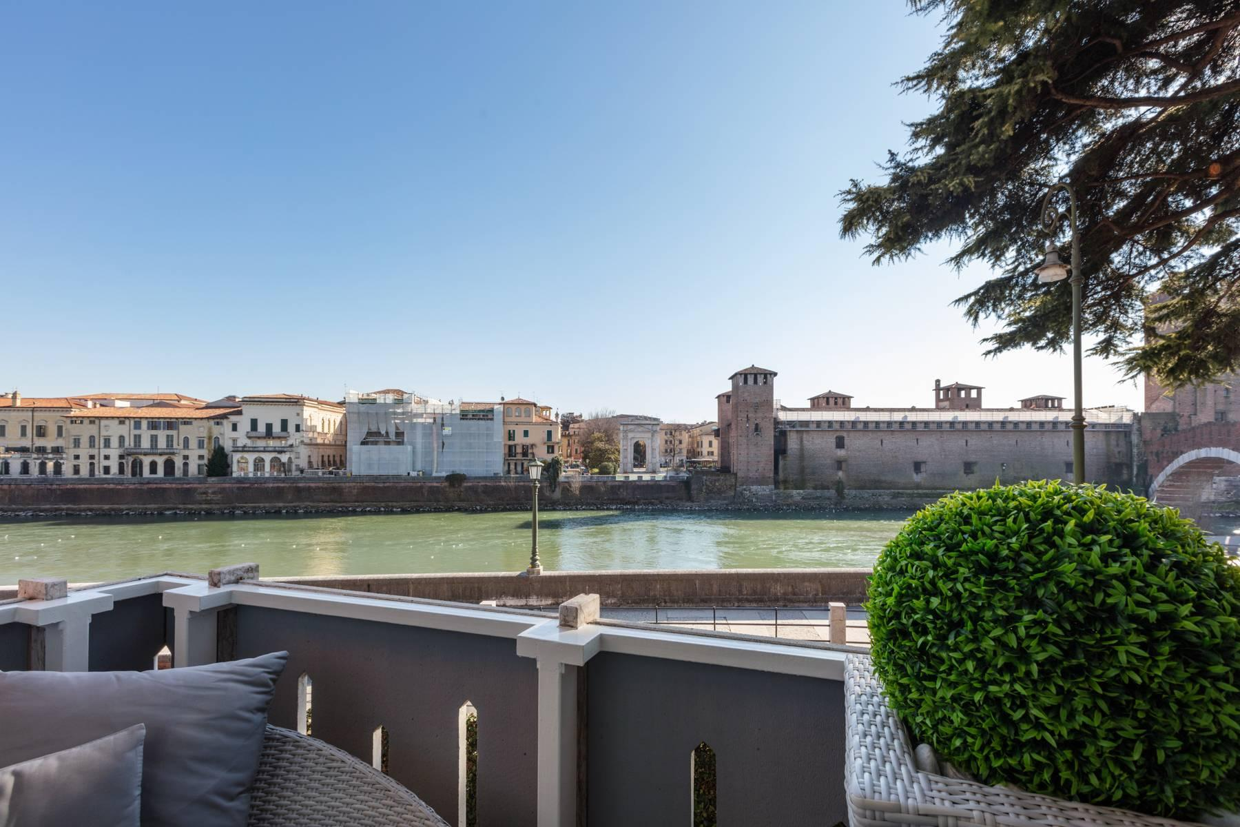 Luxury apartment overlooking the river Adige - 8