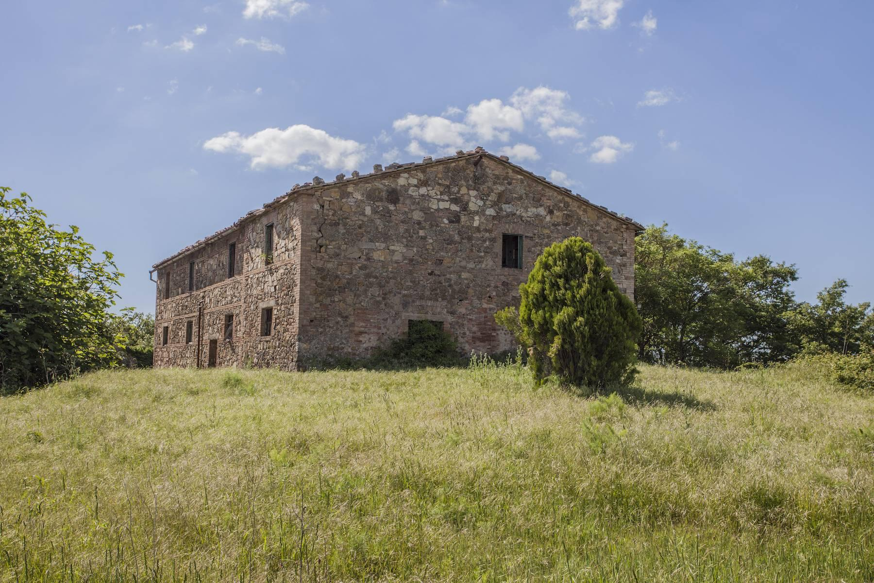 Incredible castle and hamlet  of the 12th century in the countryside of Siena - 11