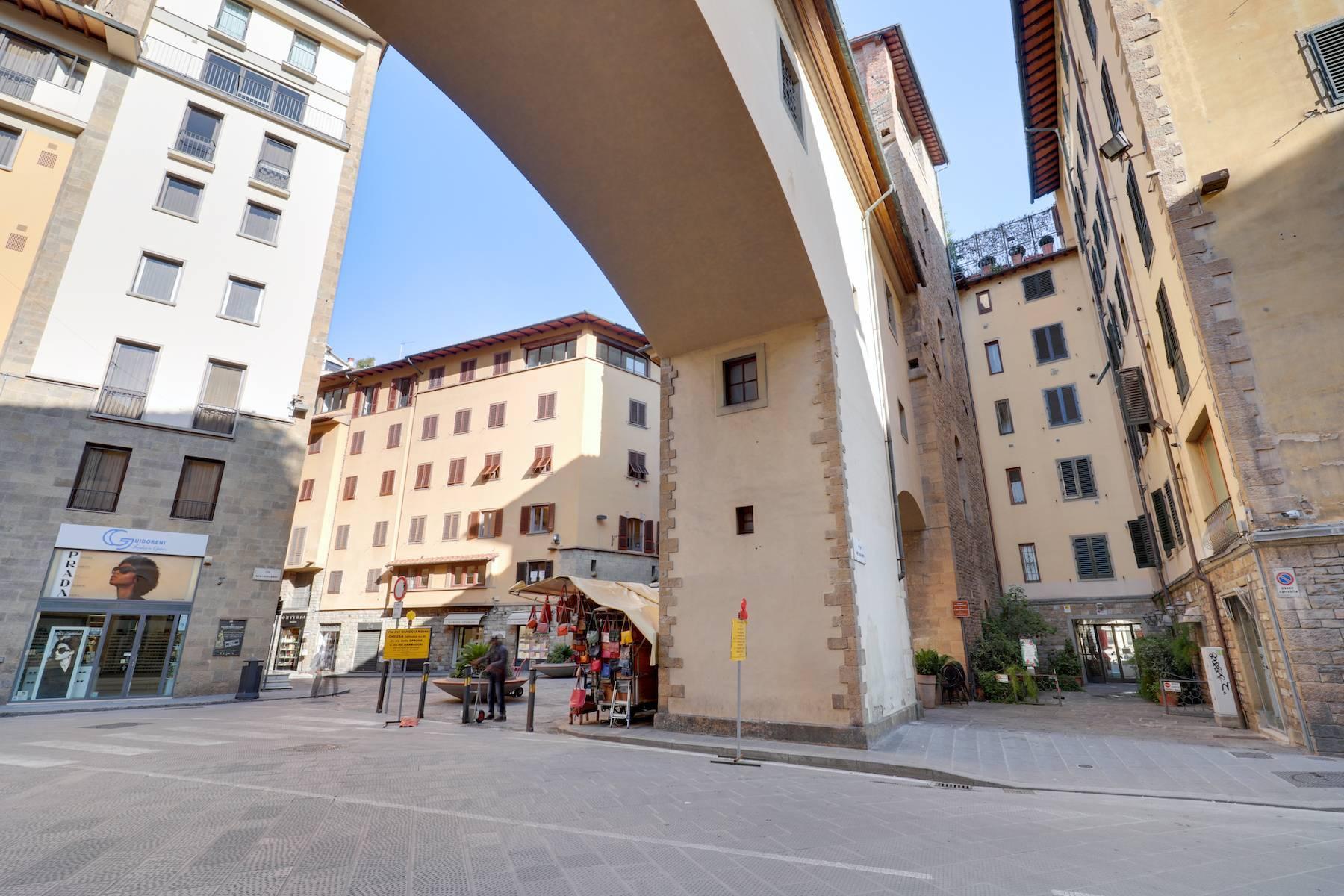Шикарные апартаменты рядом с Понте Веккьо - 19