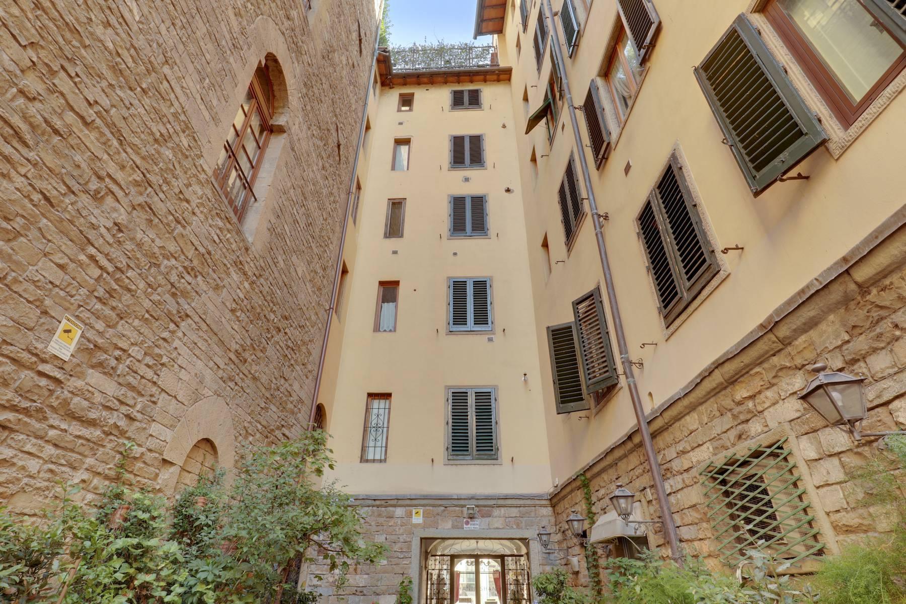 Шикарные апартаменты рядом с Понте Веккьо - 4