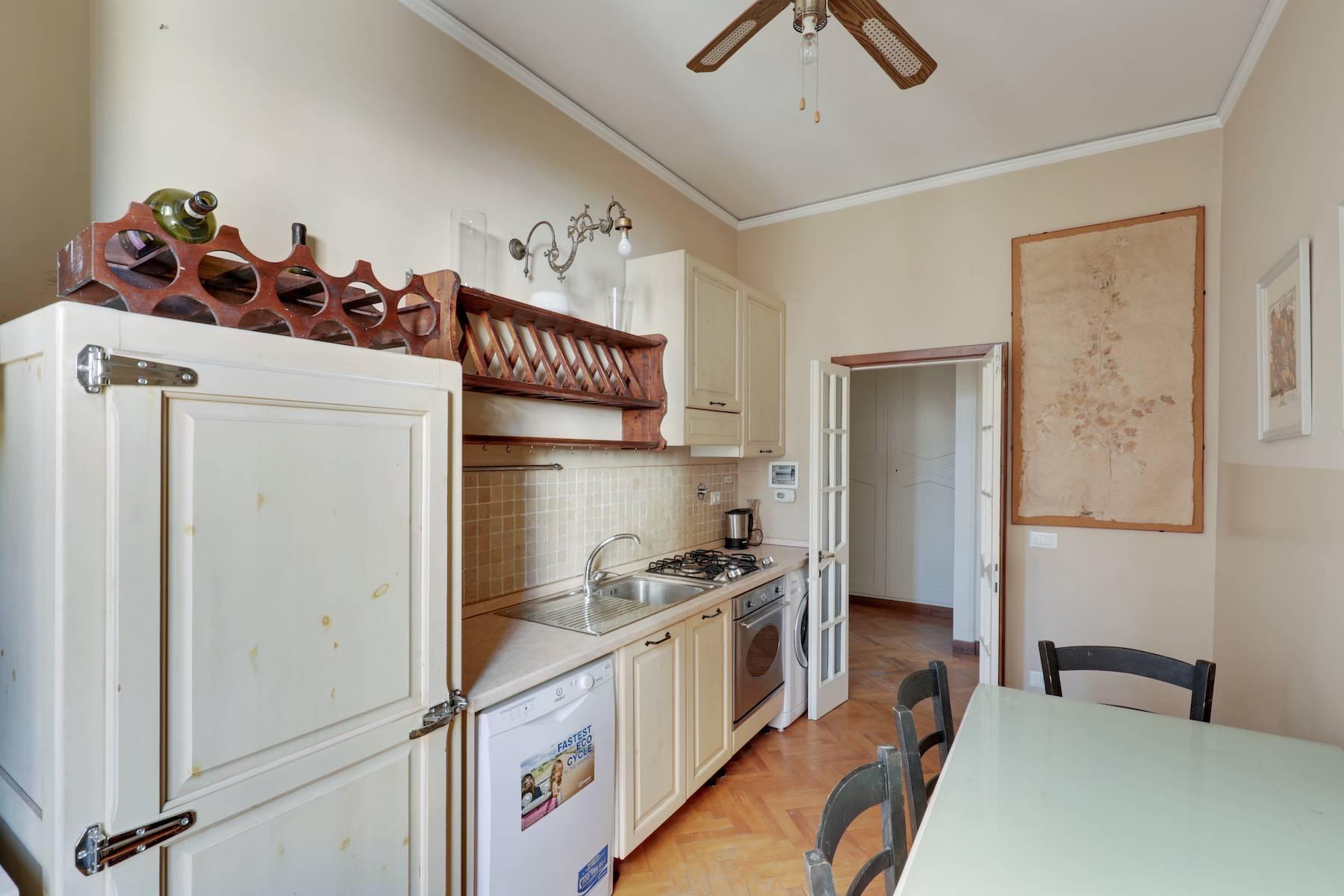 Luxury apartment adjacent to Ponte Vecchio - 10