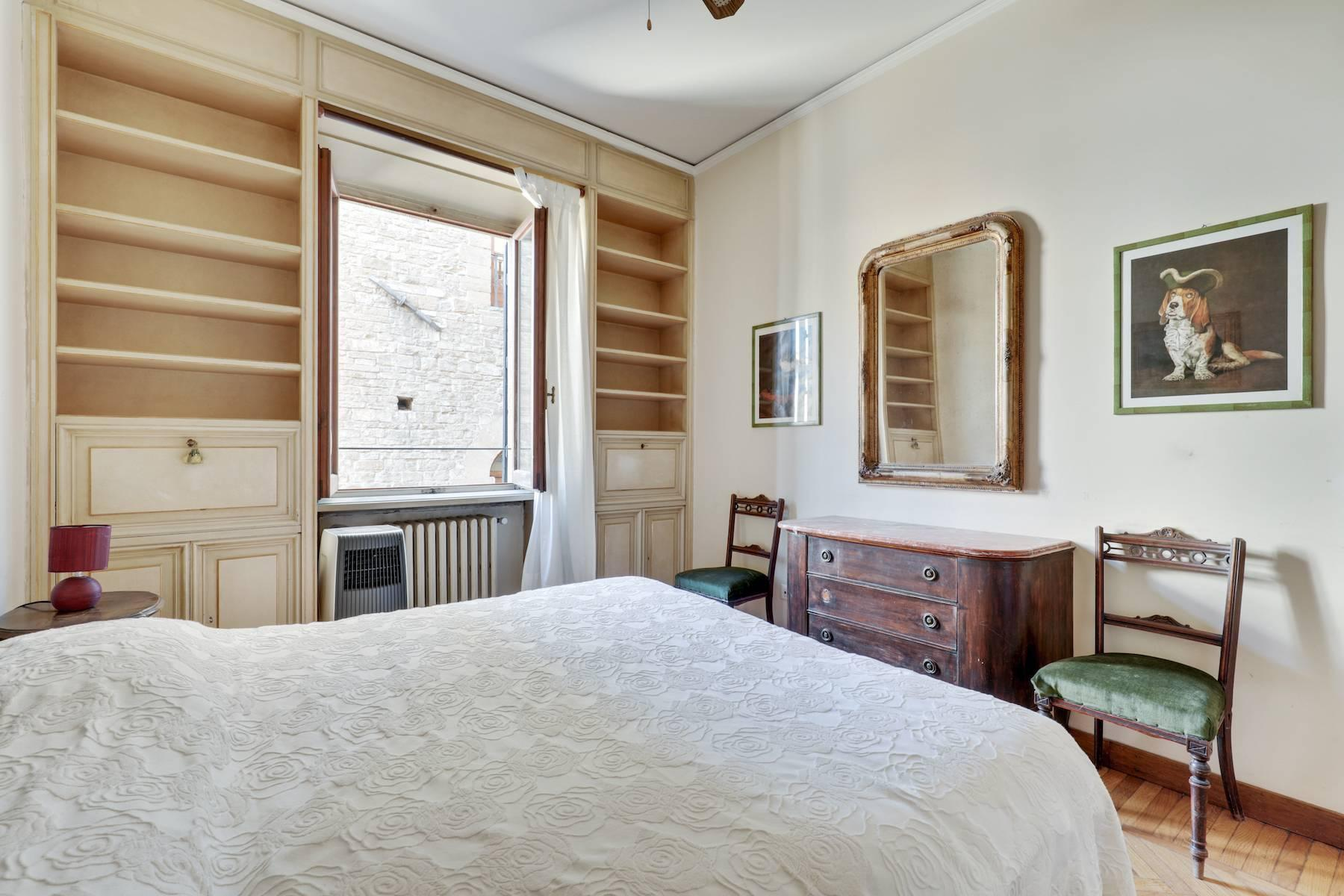 Шикарные апартаменты рядом с Понте Веккьо - 16