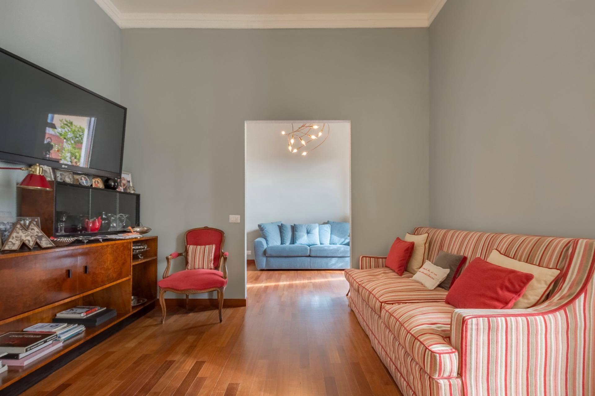 Bright and elegant apartment in Repubblica area - 1