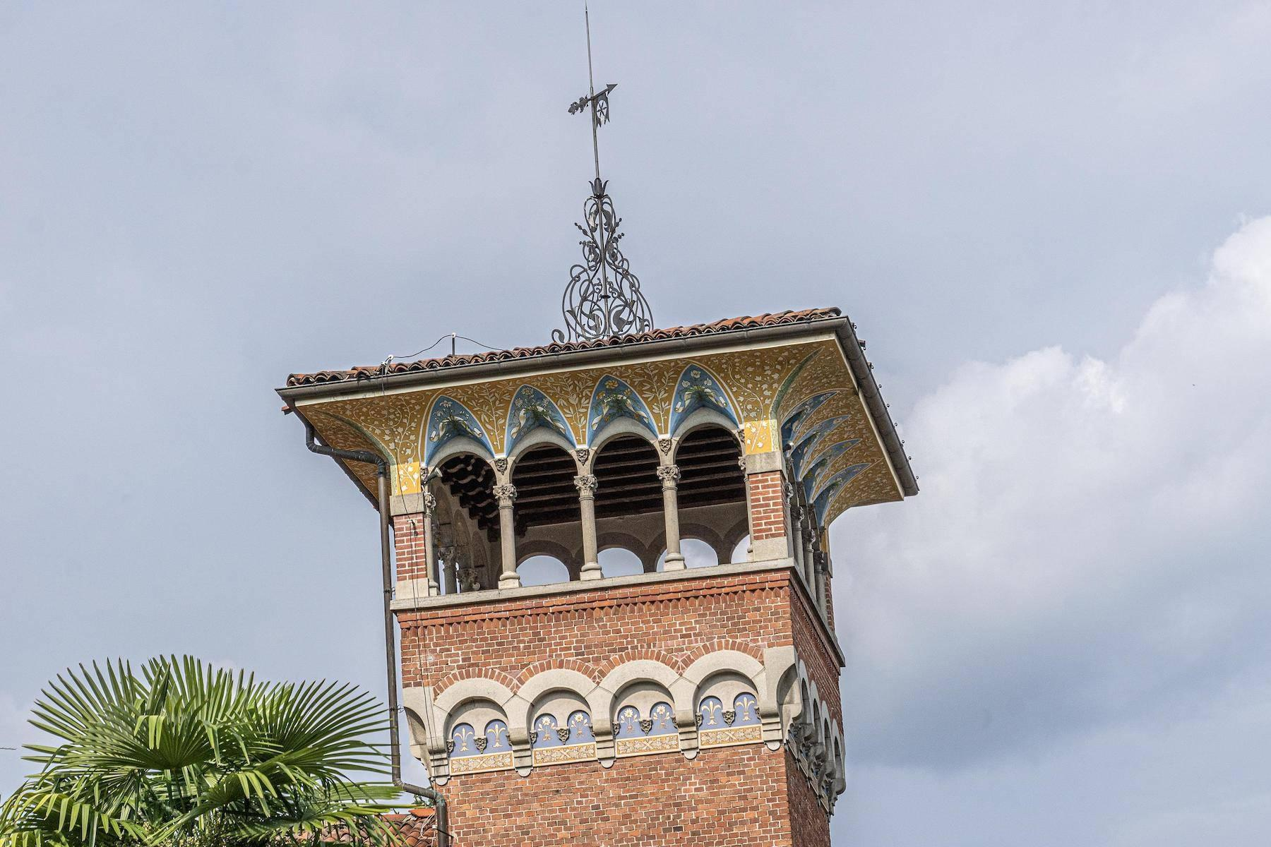 Majestic period villa with swimming pool and tower in the heart of Stresa - 4