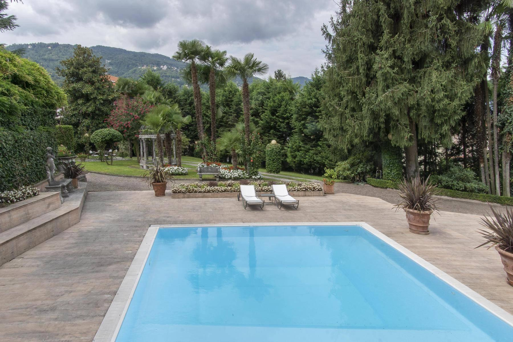 Majestic period villa with swimming pool and tower in the heart of Stresa - 8
