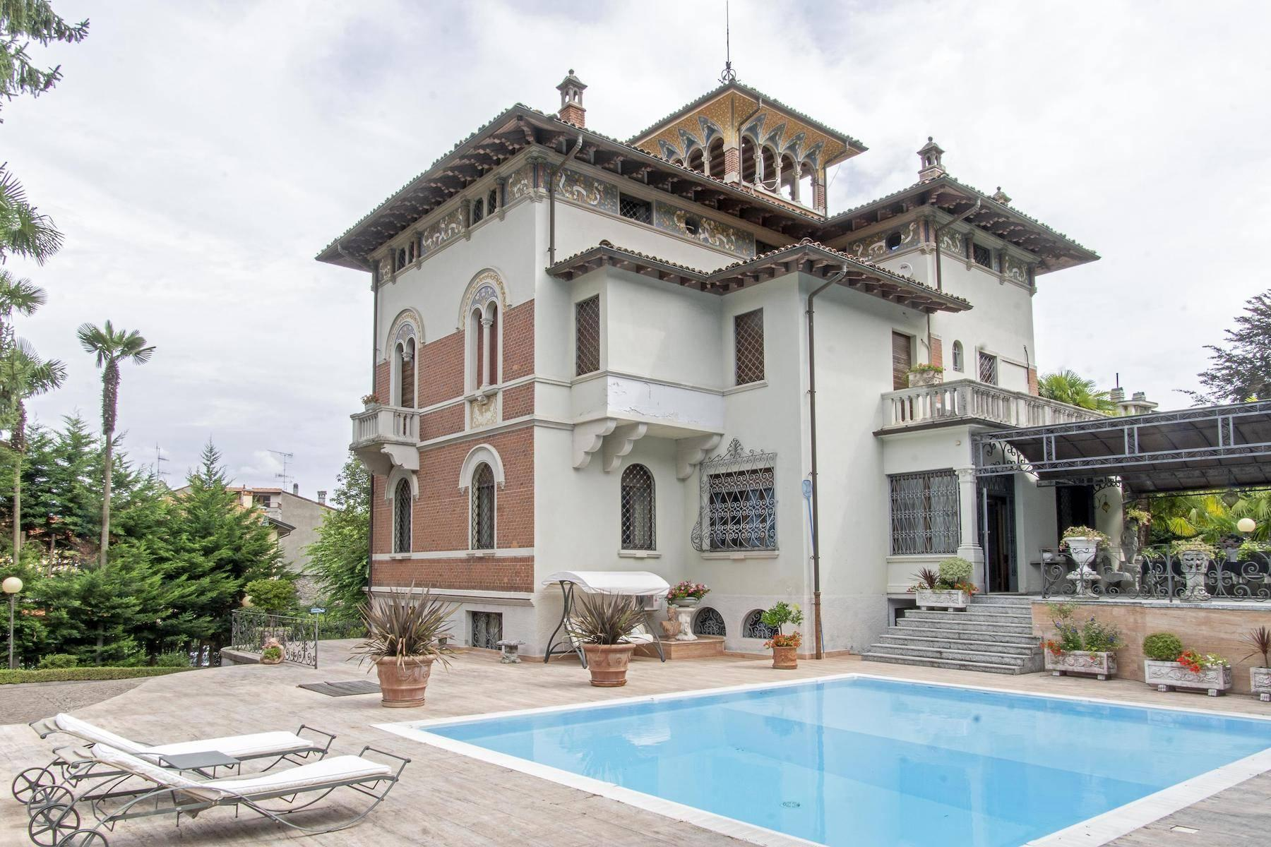 Majestic period villa with swimming pool and tower in the heart of Stresa - 43
