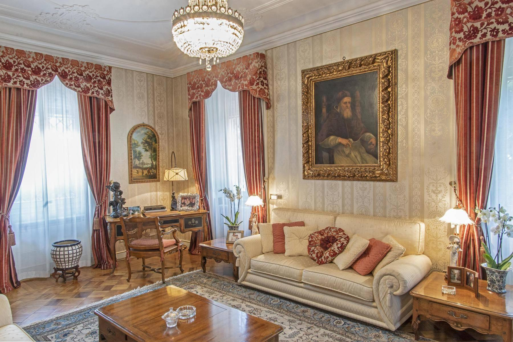 Majestic period villa with swimming pool and tower in the heart of Stresa - 21