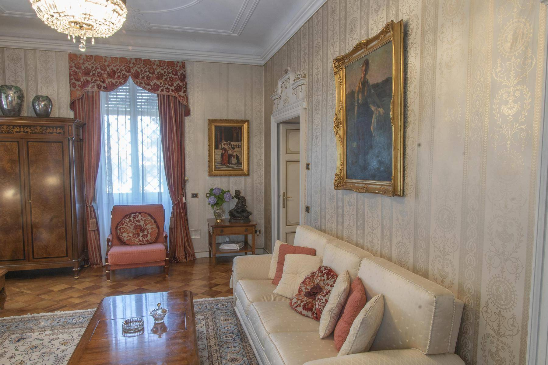 Majestic period villa with swimming pool and tower in the heart of Stresa - 19