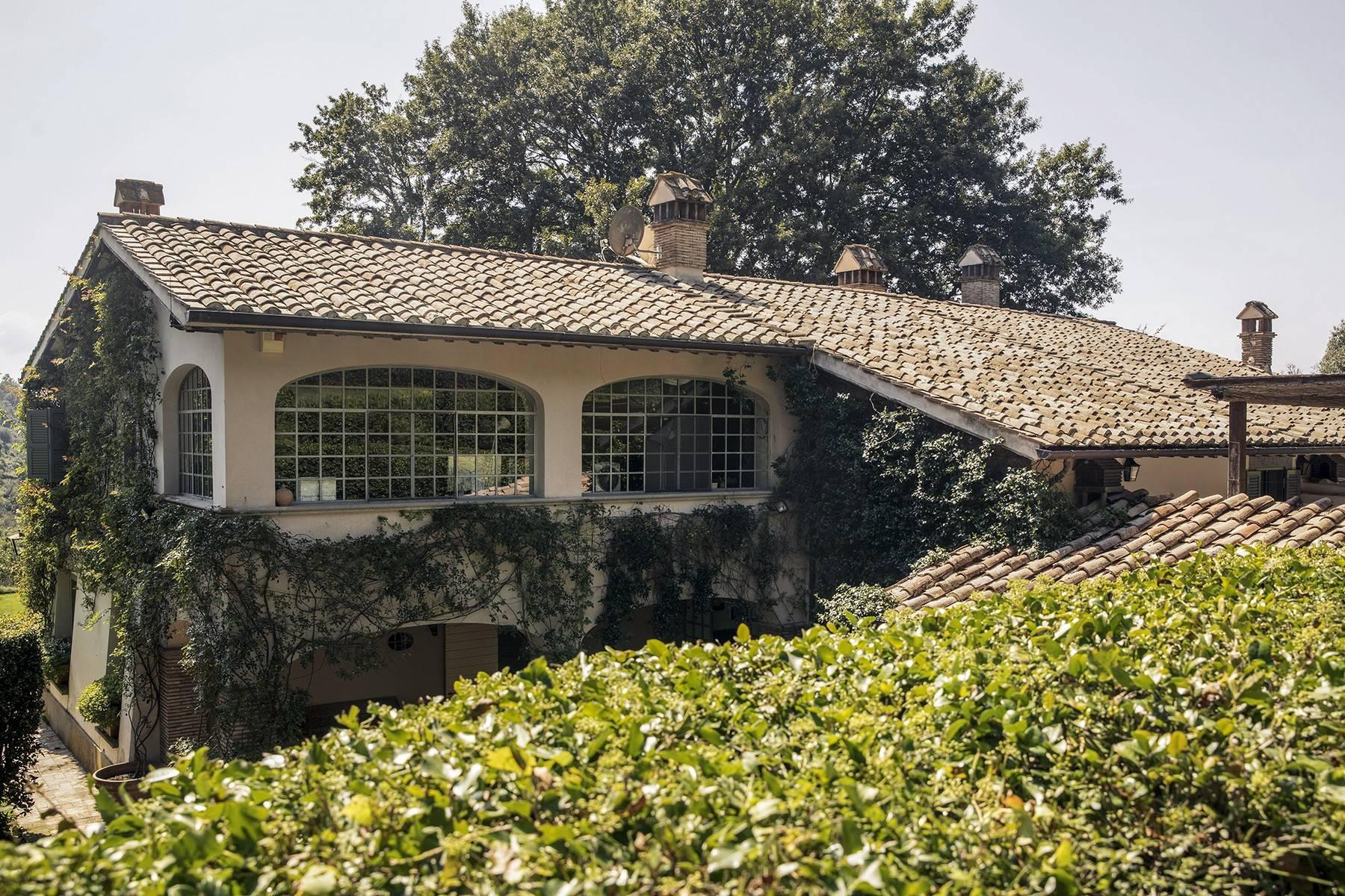 Fascinating villa in the Roman countryside - 2