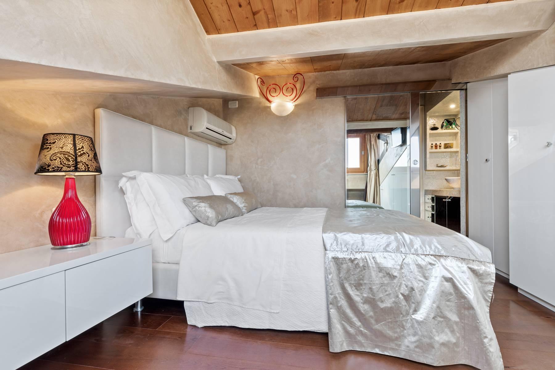 Elegante attico nel cuore di Verona all'angolo di Via Mazzini e Piazza Erbe - 18