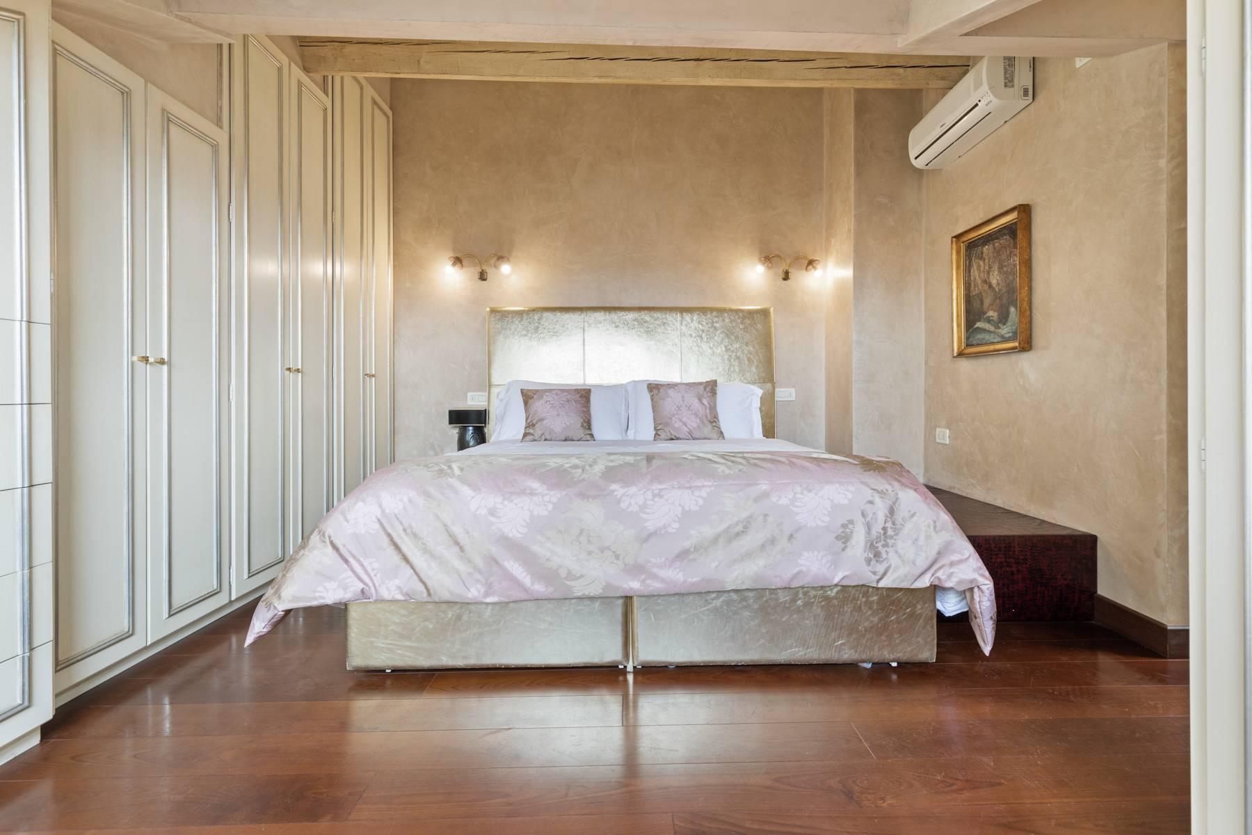 Elegante attico nel cuore di Verona all'angolo di Via Mazzini e Piazza Erbe - 9