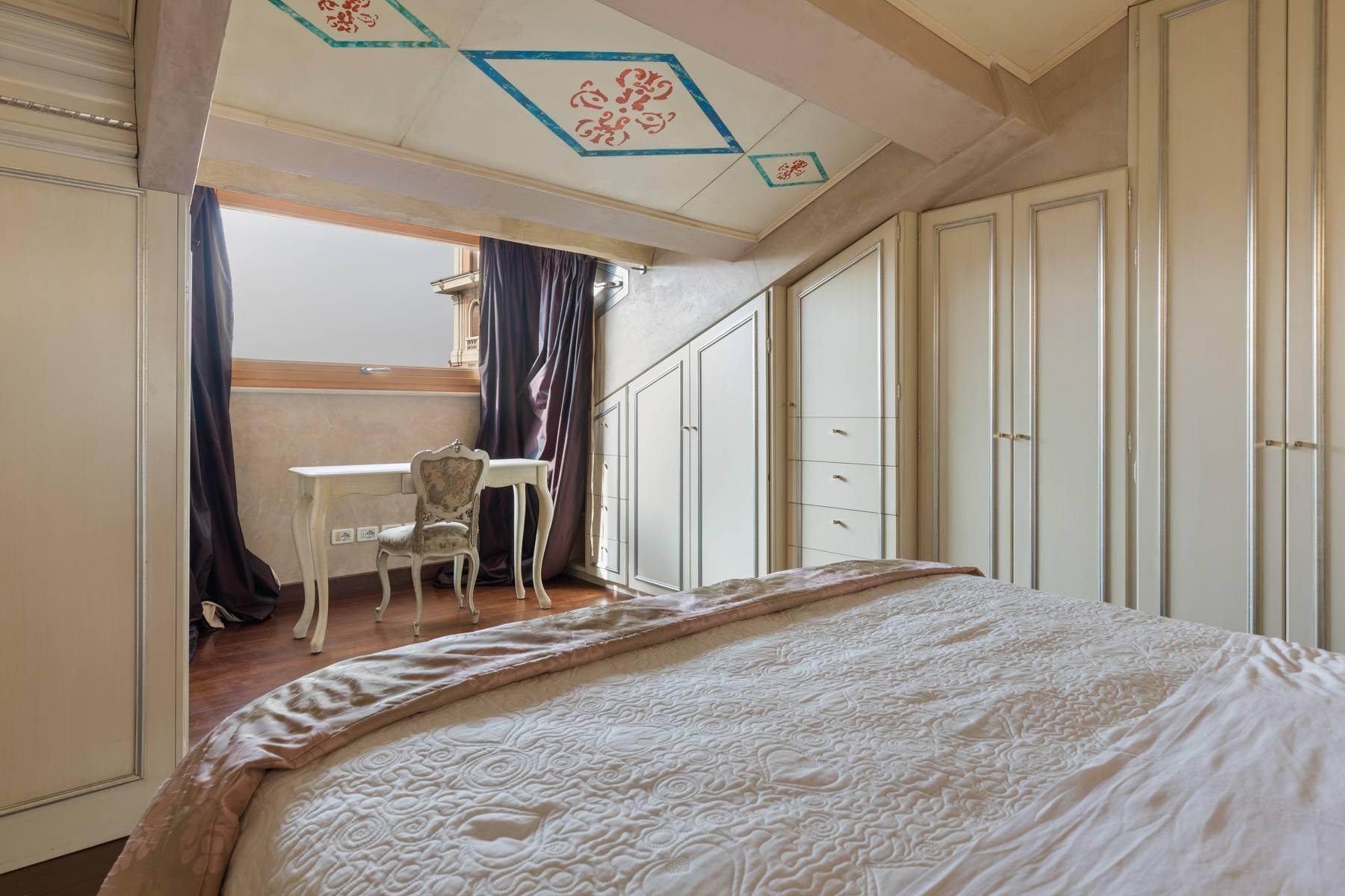 Elegante attico nel cuore di Verona all'angolo di Via Mazzini e Piazza Erbe - 12