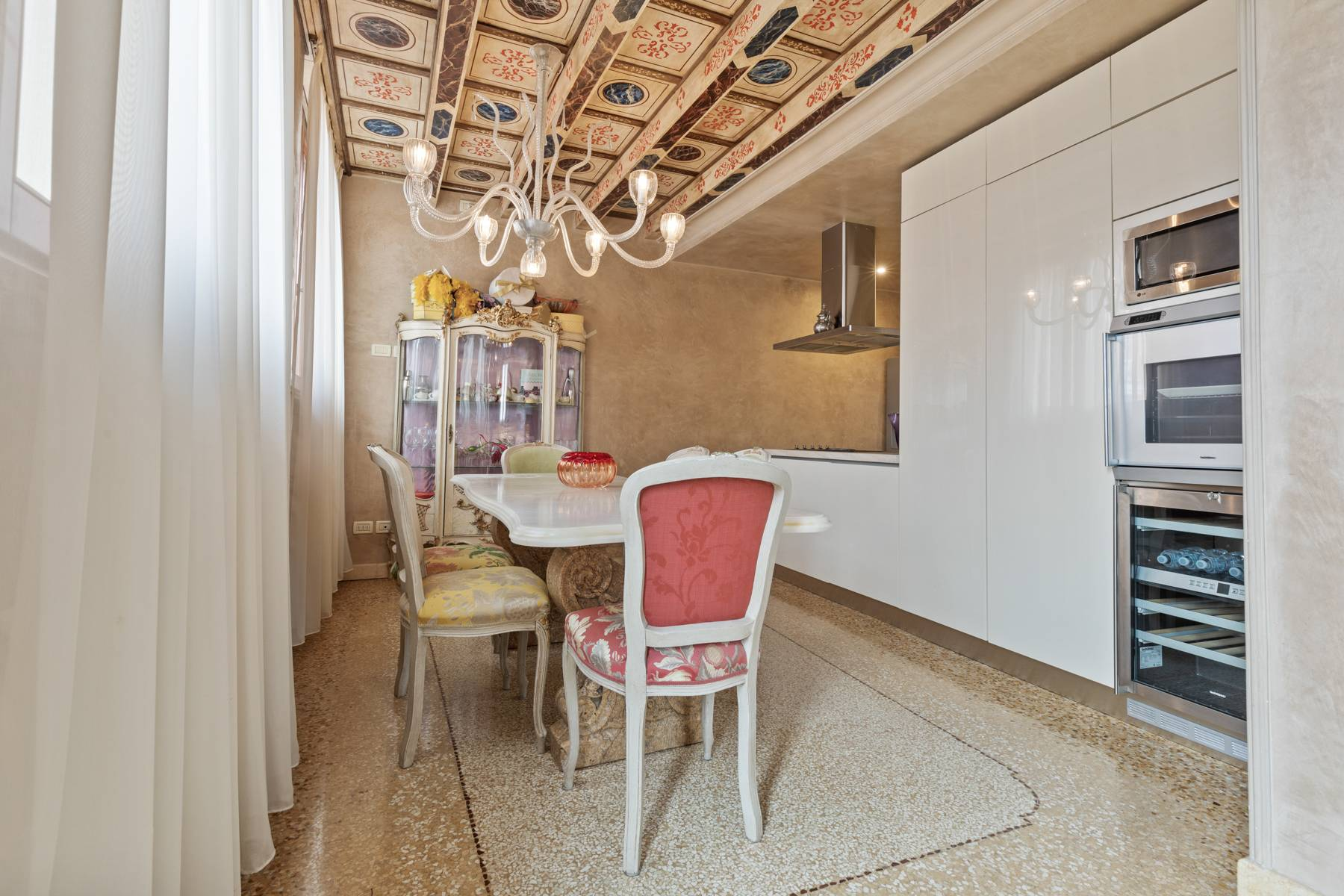 Elegant apartment in the heart of Verona on the corner of Via Mazzini and Piazza Erbe - 6