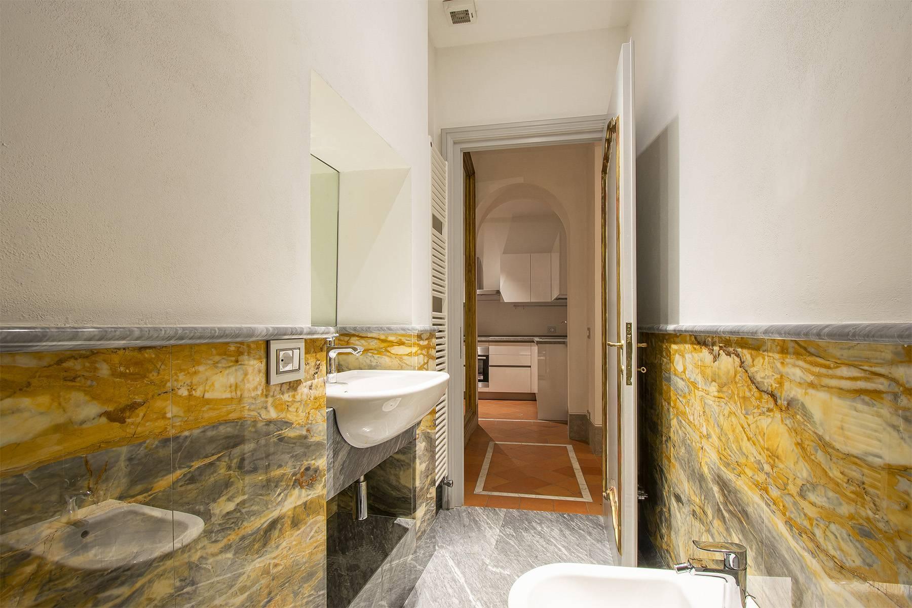 Elegant two-room apartment in Lucca - 10