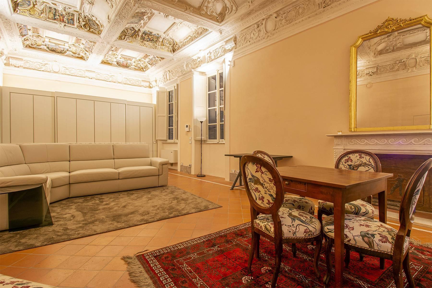 Elegant two-room apartment in Lucca - 1