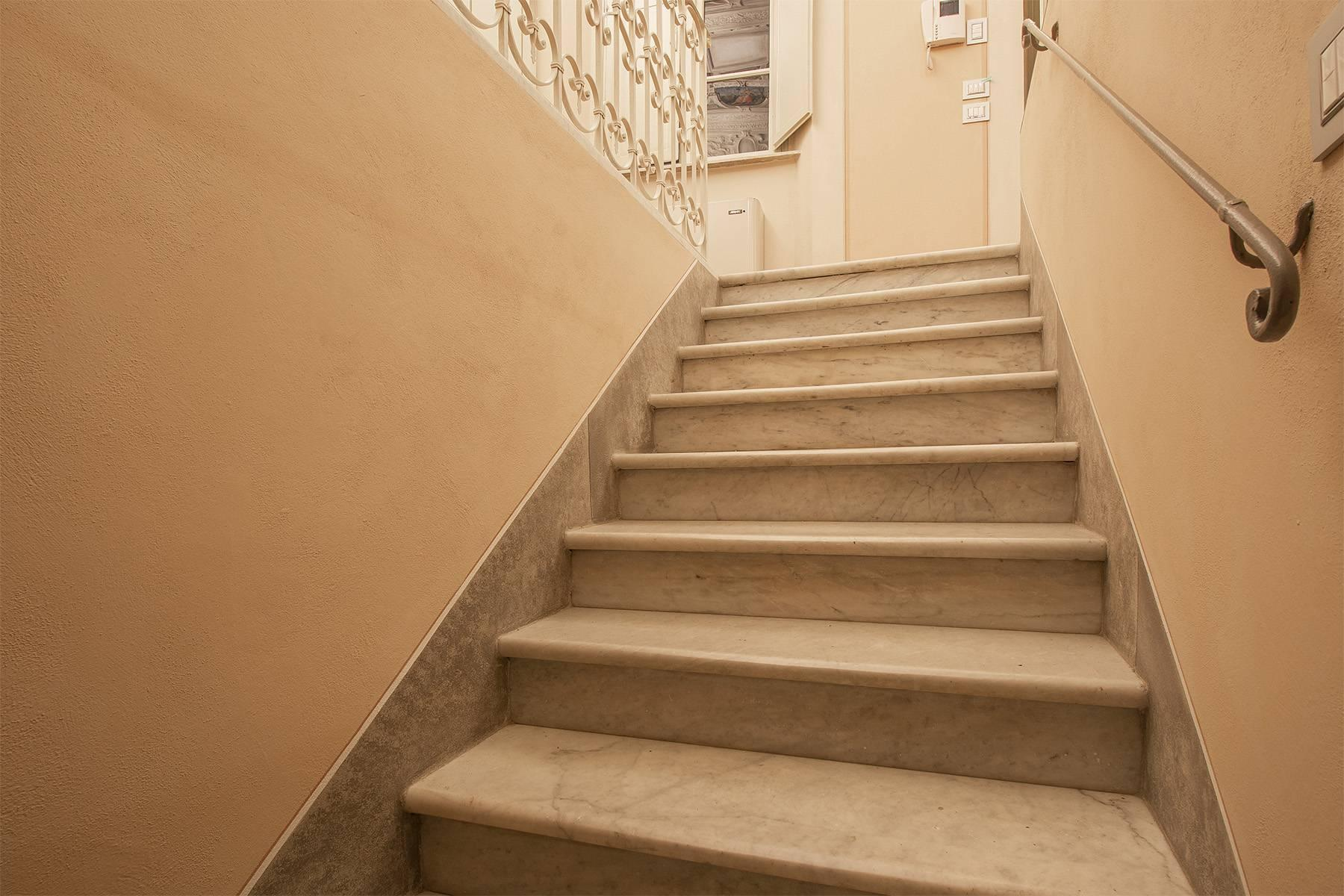 Elegant two-room apartment in Lucca - 11