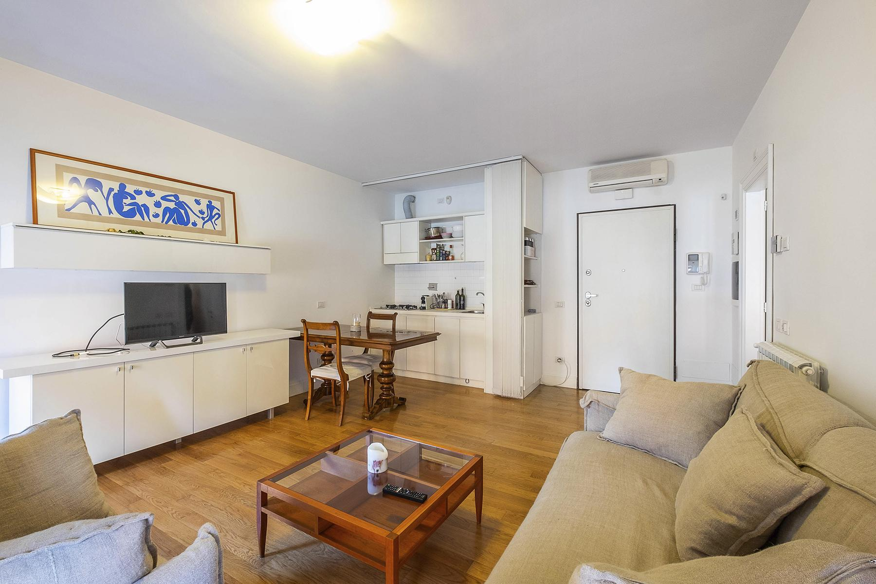 Fully furnished and restructured apartment in Parioli - 6