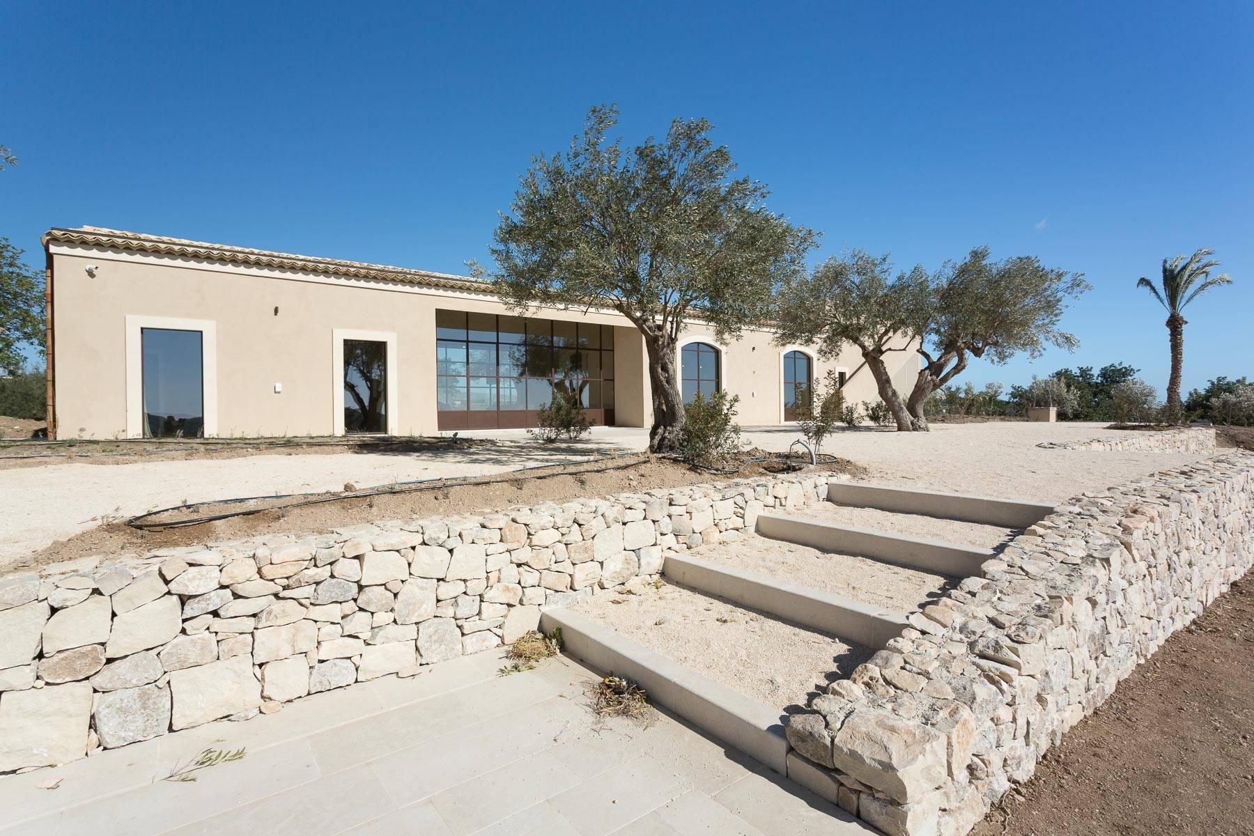 Сицилийский загородный дом с  роскошным дизайном в Валь-ди-Ното - 3