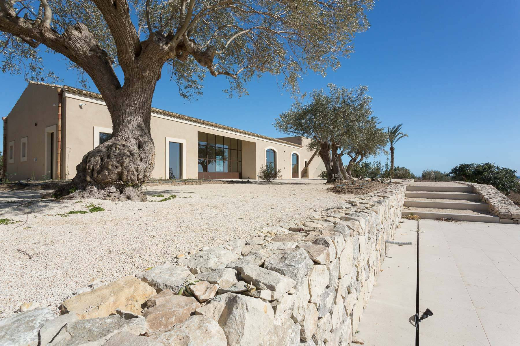 Luxurious design Sicilian farm in the Val di Noto - 23
