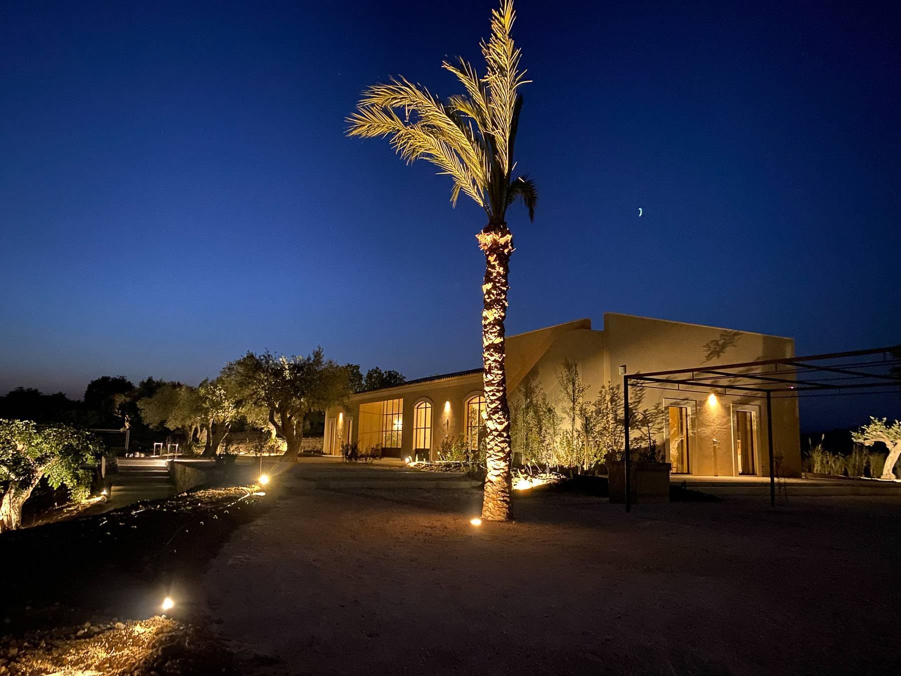 Сицилийский загородный дом с  роскошным дизайном в Валь-ди-Ното - 1