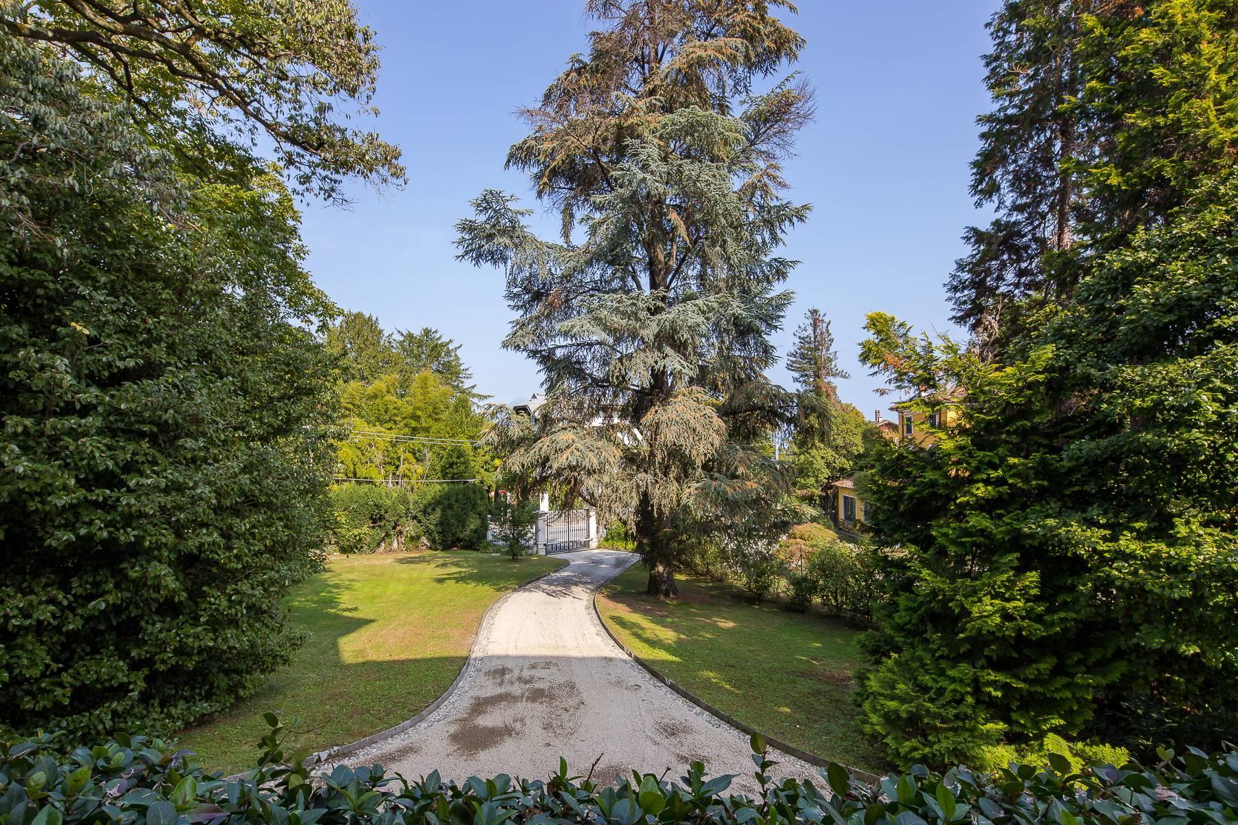 Splendide villa du début du XXè siècle dans le centre-ville de Stresa - 29