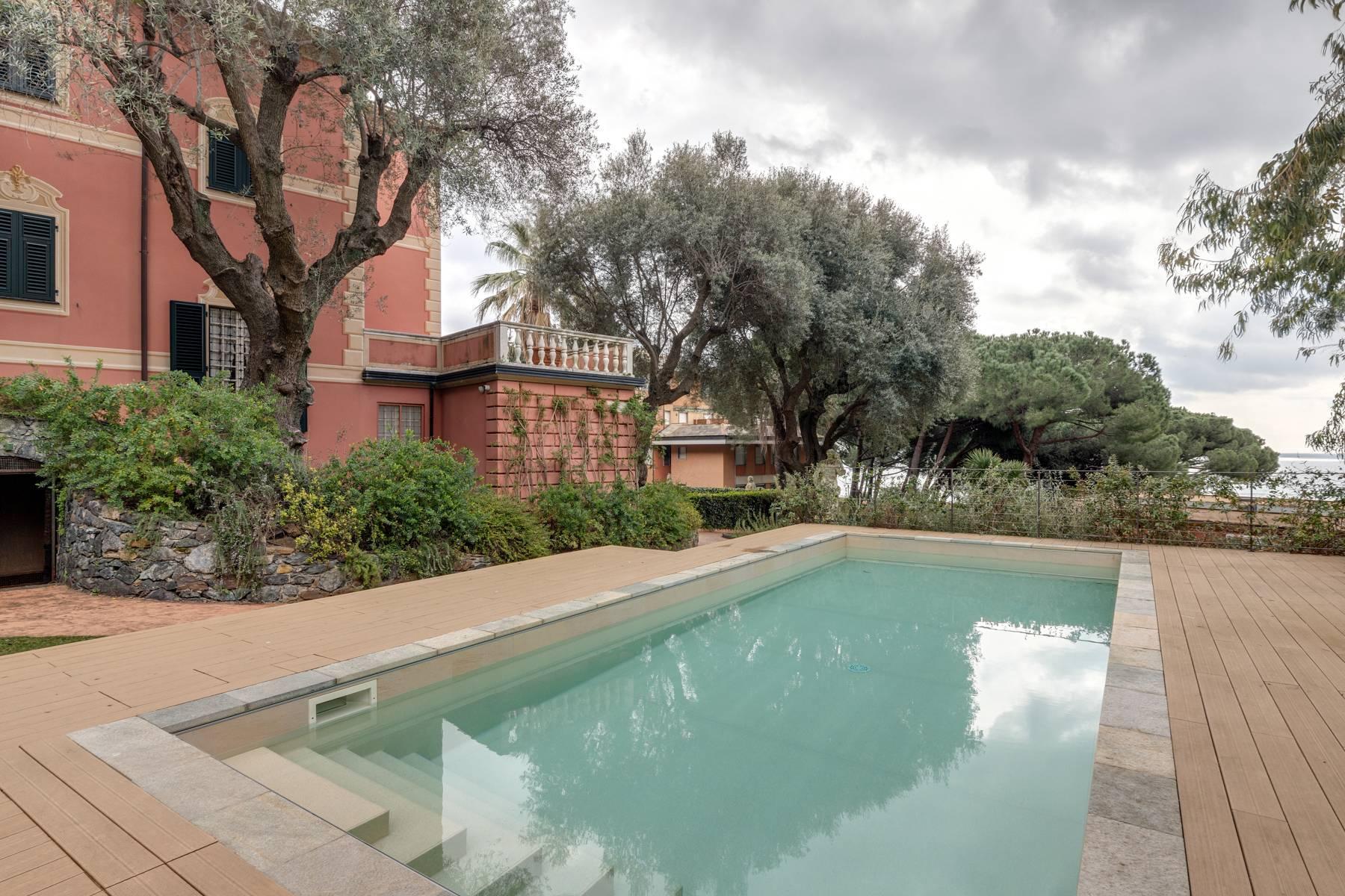 Storica villa fronte mare con piscina - 13