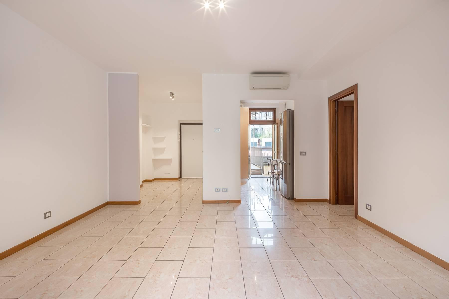 Lovely three-bedroom apartment in Corso Como - 6