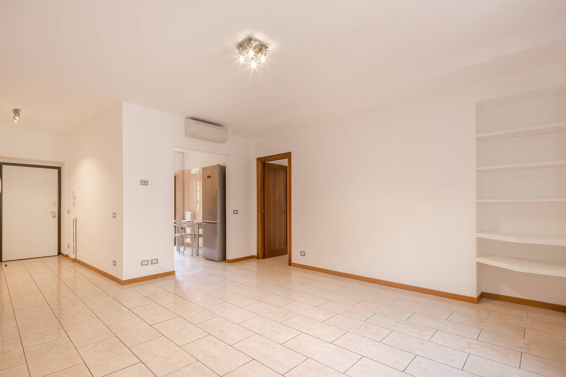 Lovely three-bedroom apartment in Corso Como - 7