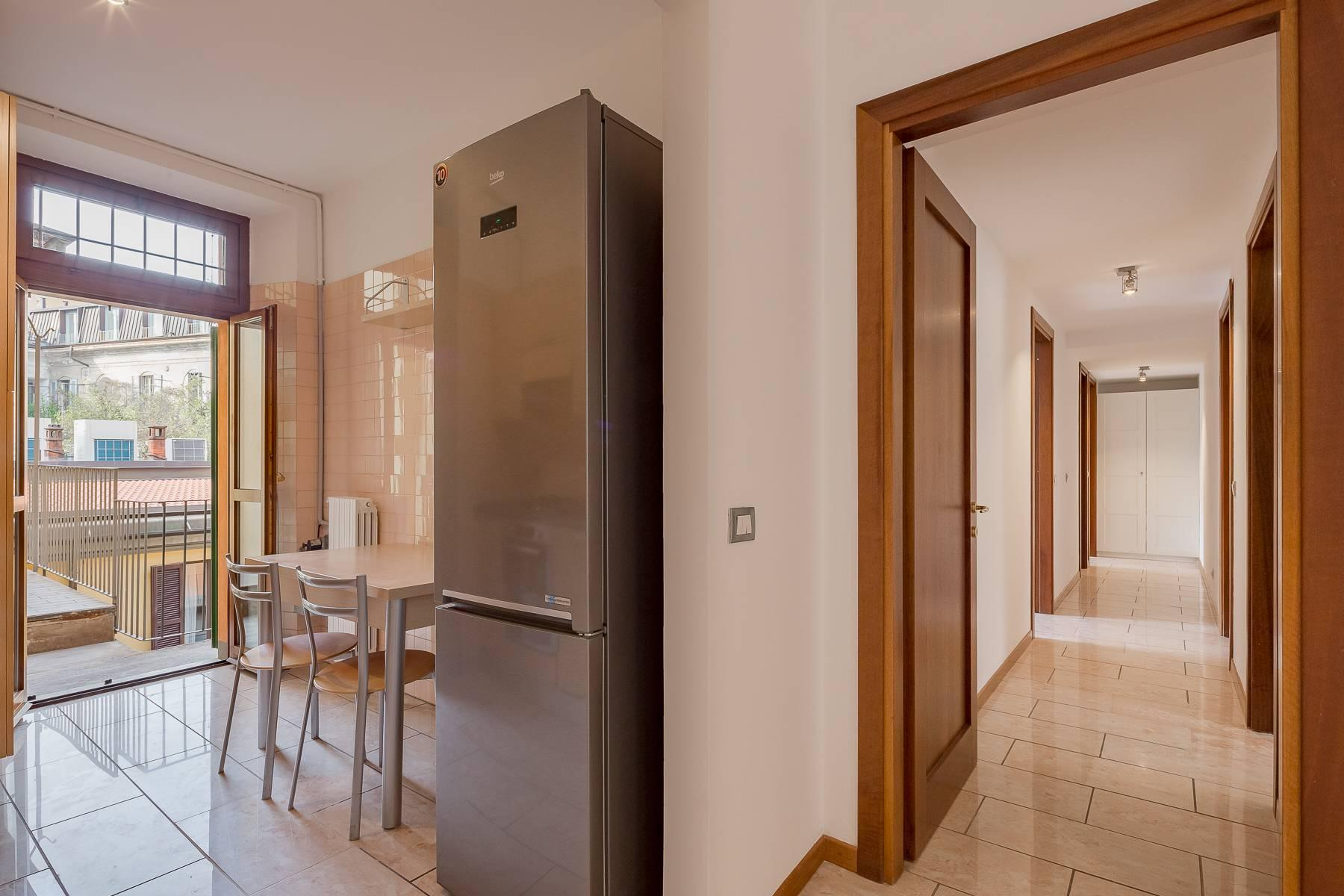 Lovely three-bedroom apartment in Corso Como - 10