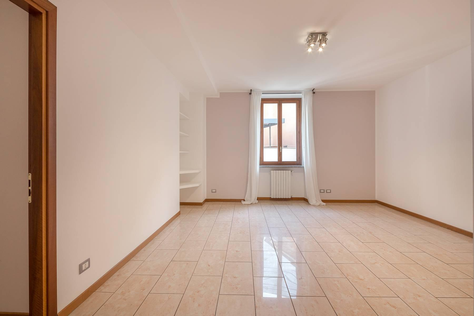 Lovely three-bedroom apartment in Corso Como - 8