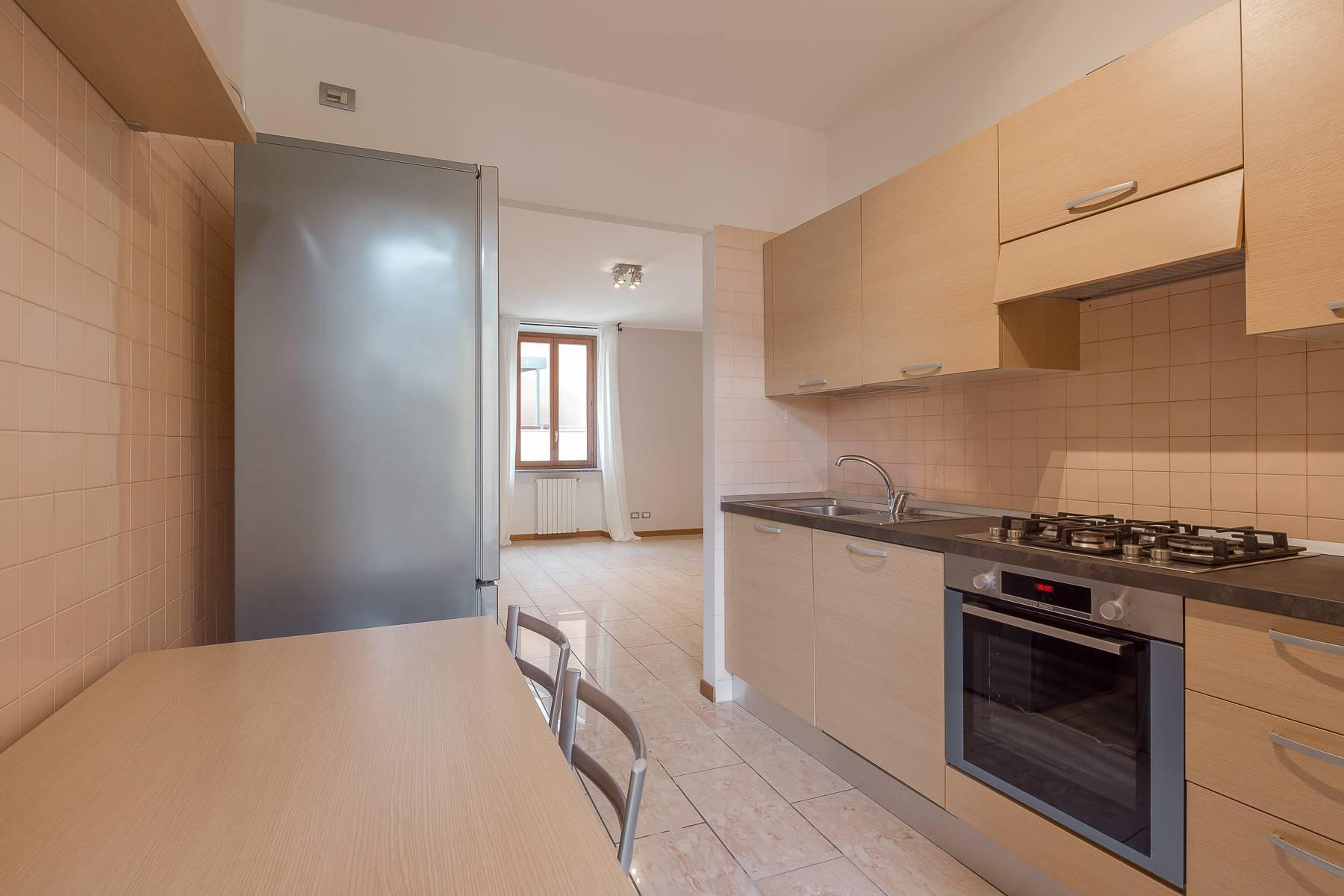Lovely three-bedroom apartment in Corso Como - 12