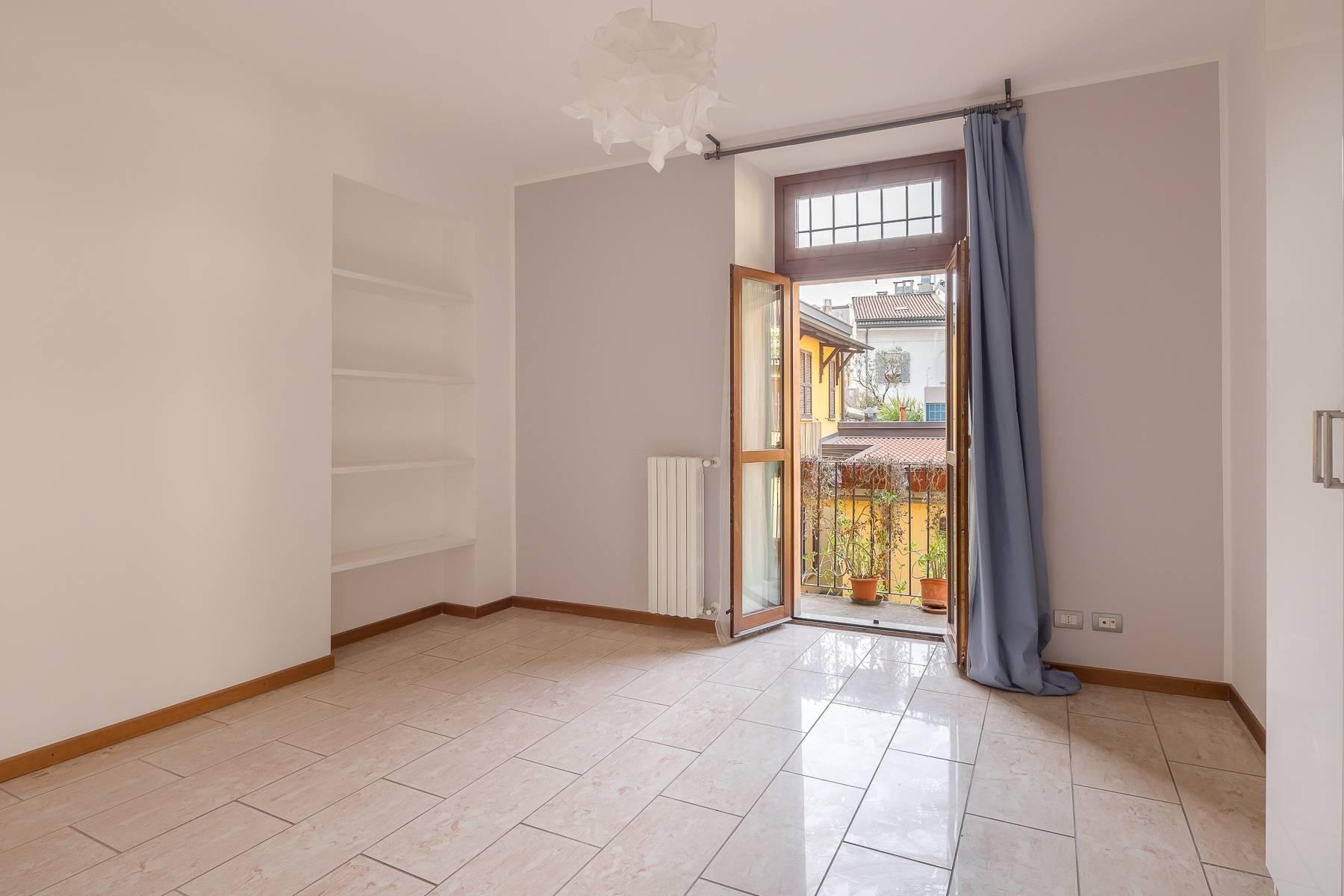 Lovely three-bedroom apartment in Corso Como - 18