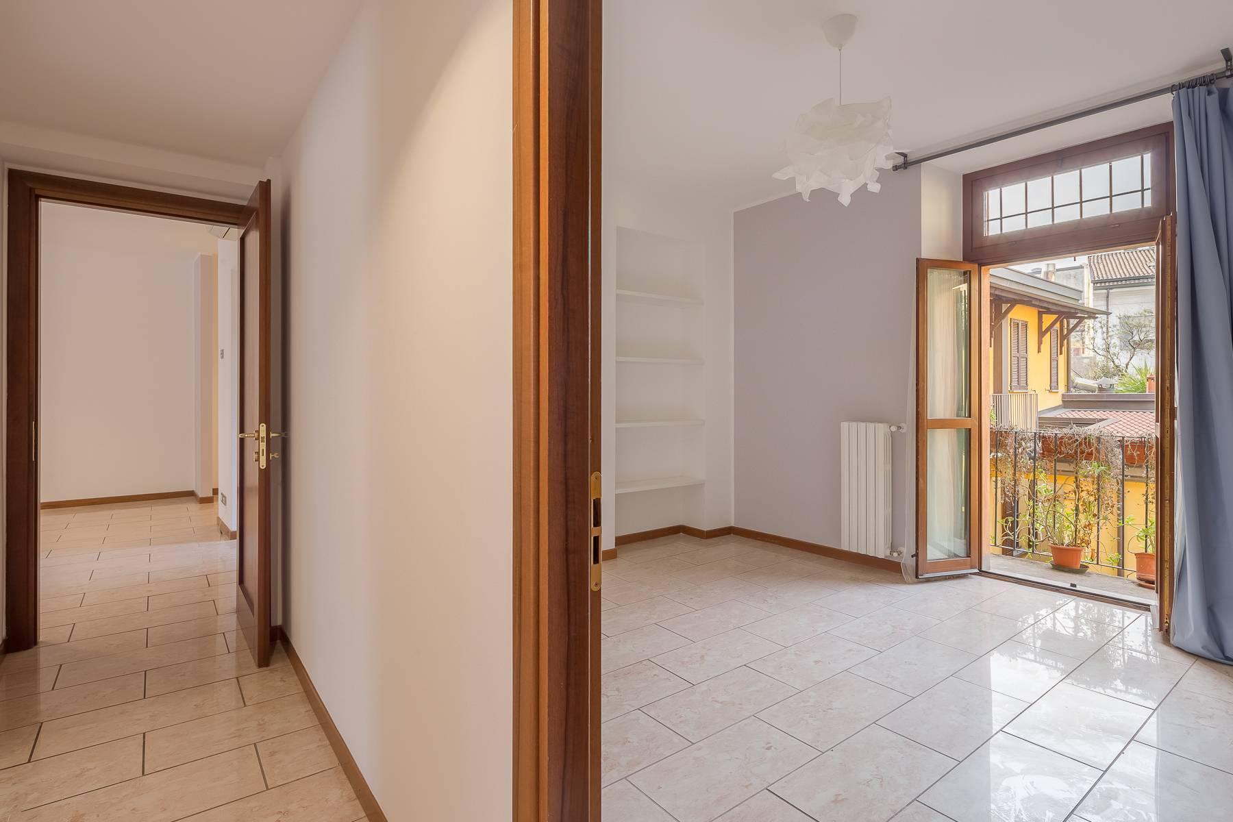 Lovely three-bedroom apartment in Corso Como - 19