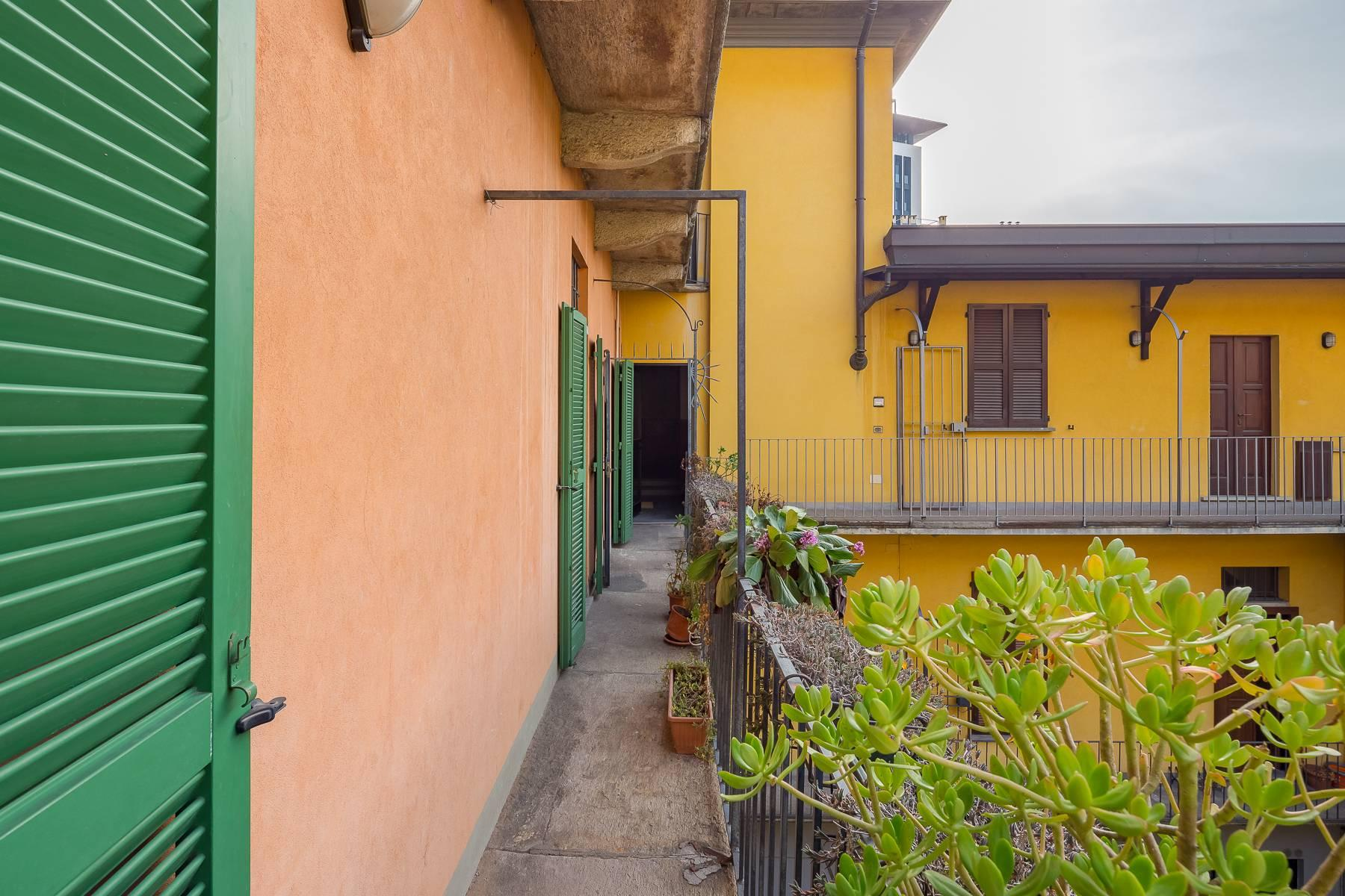 Lovely three-bedroom apartment in Corso Como - 24