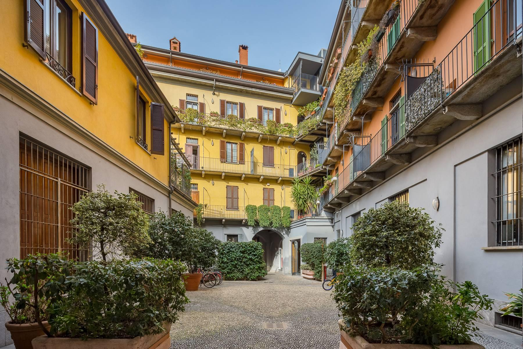 Lovely three-bedroom apartment in Corso Como - 1