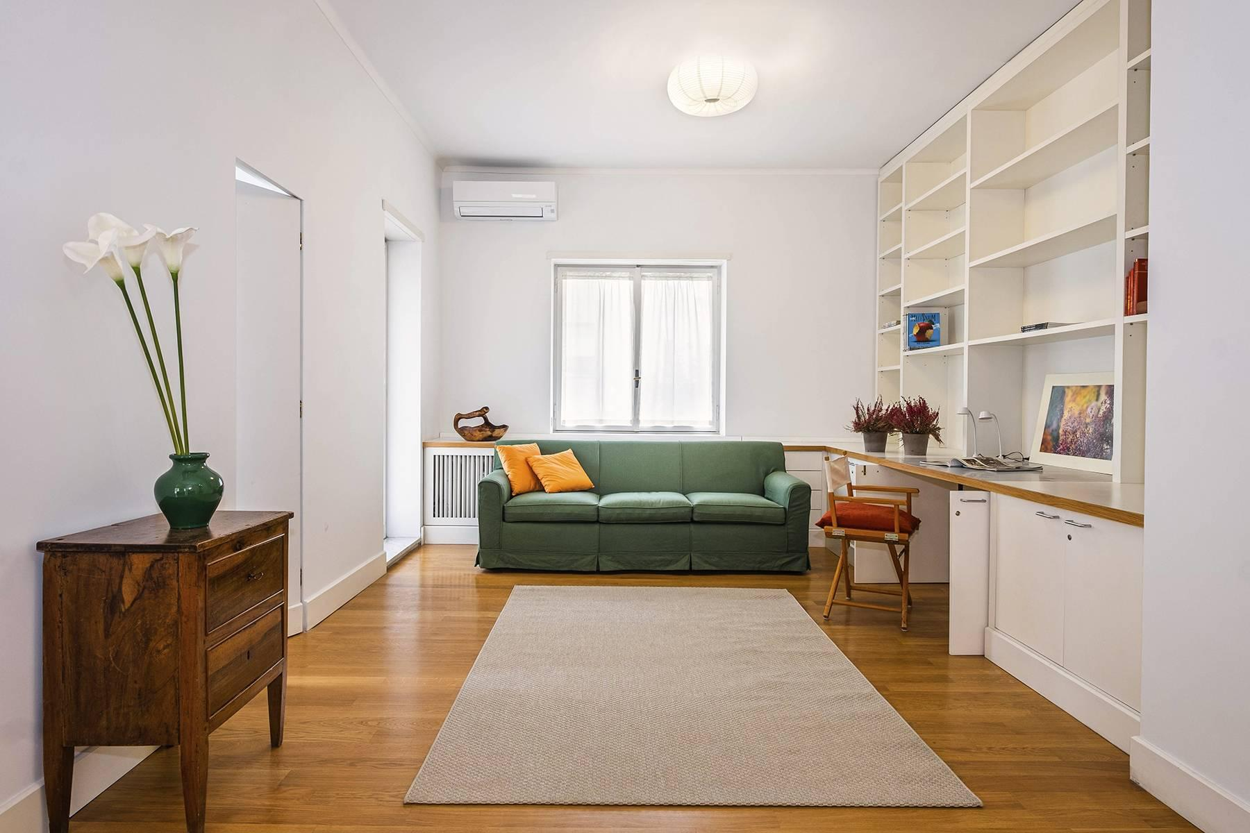 Bright  and quiet apartment in the heart of the Parioli district - 9