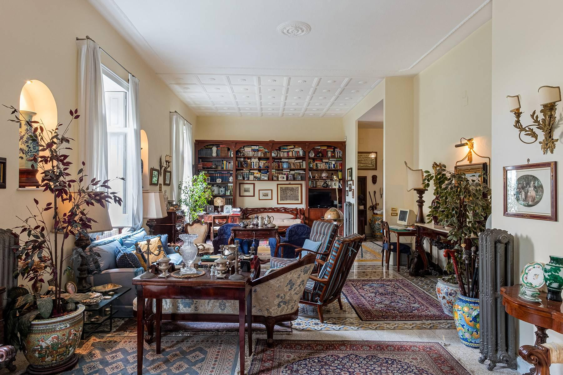 Eclectic property with terrace and garden - 3