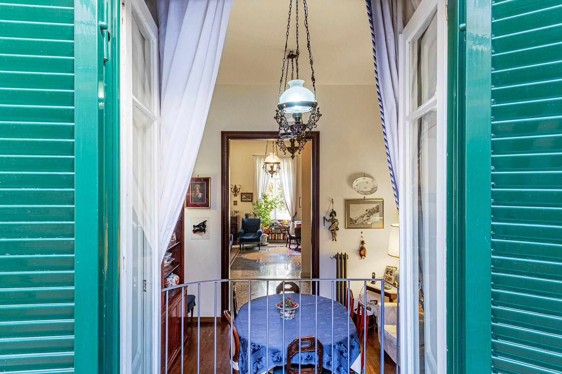 Eclectic property with terrace and garden - 11