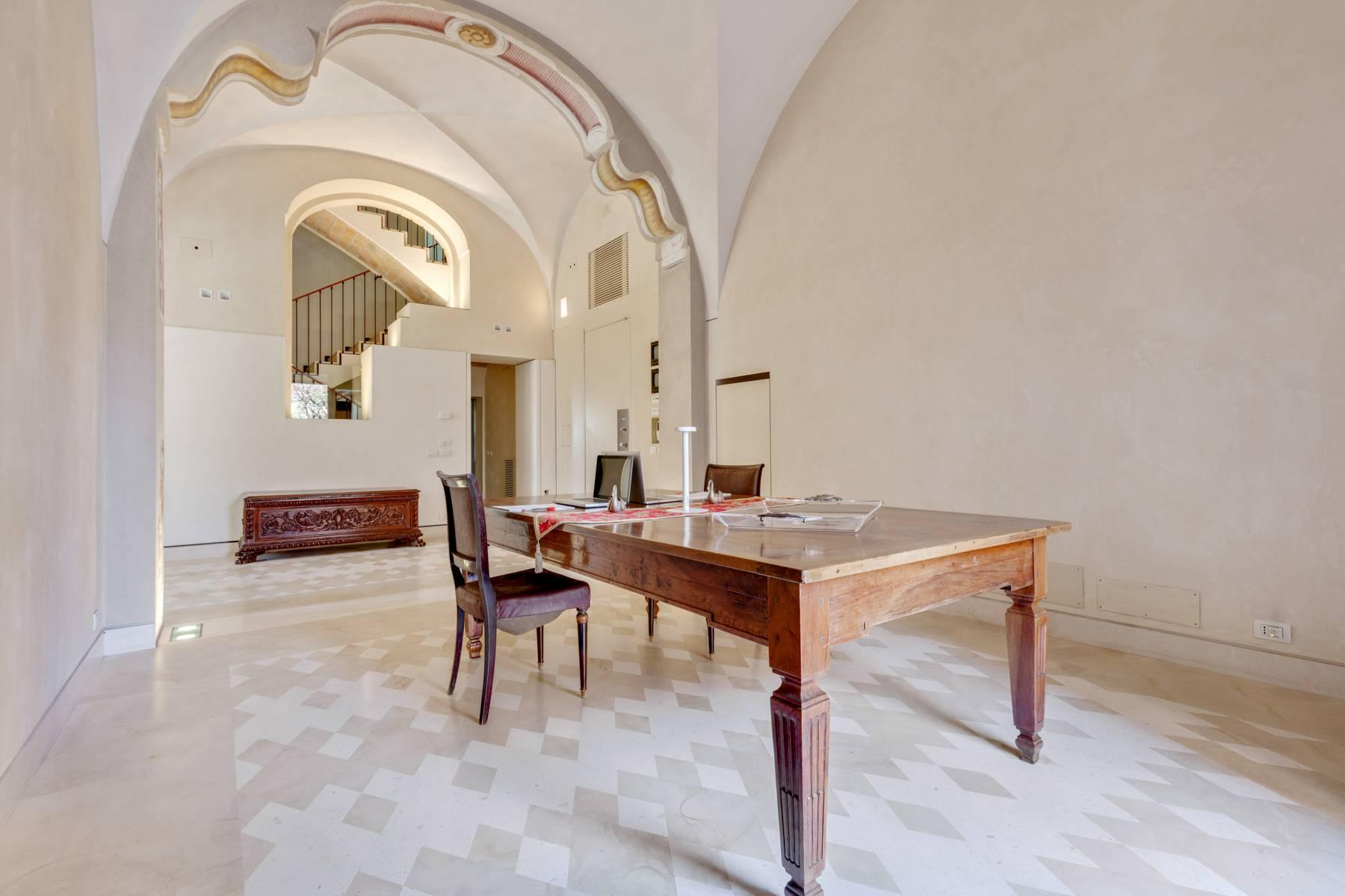 Prestigious detached house in the historic center of Piacenza - 11
