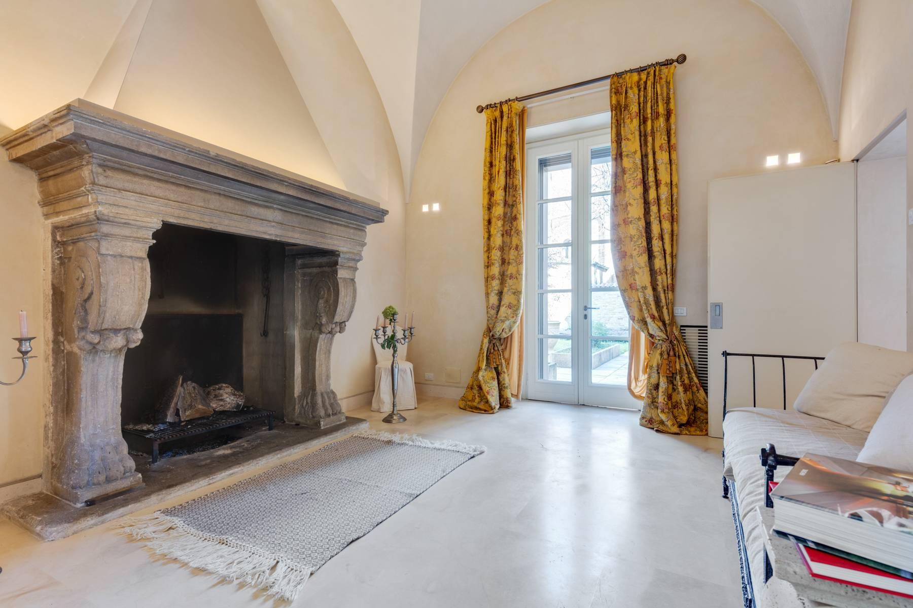 Prestigious detached house in the historic center of Piacenza - 1